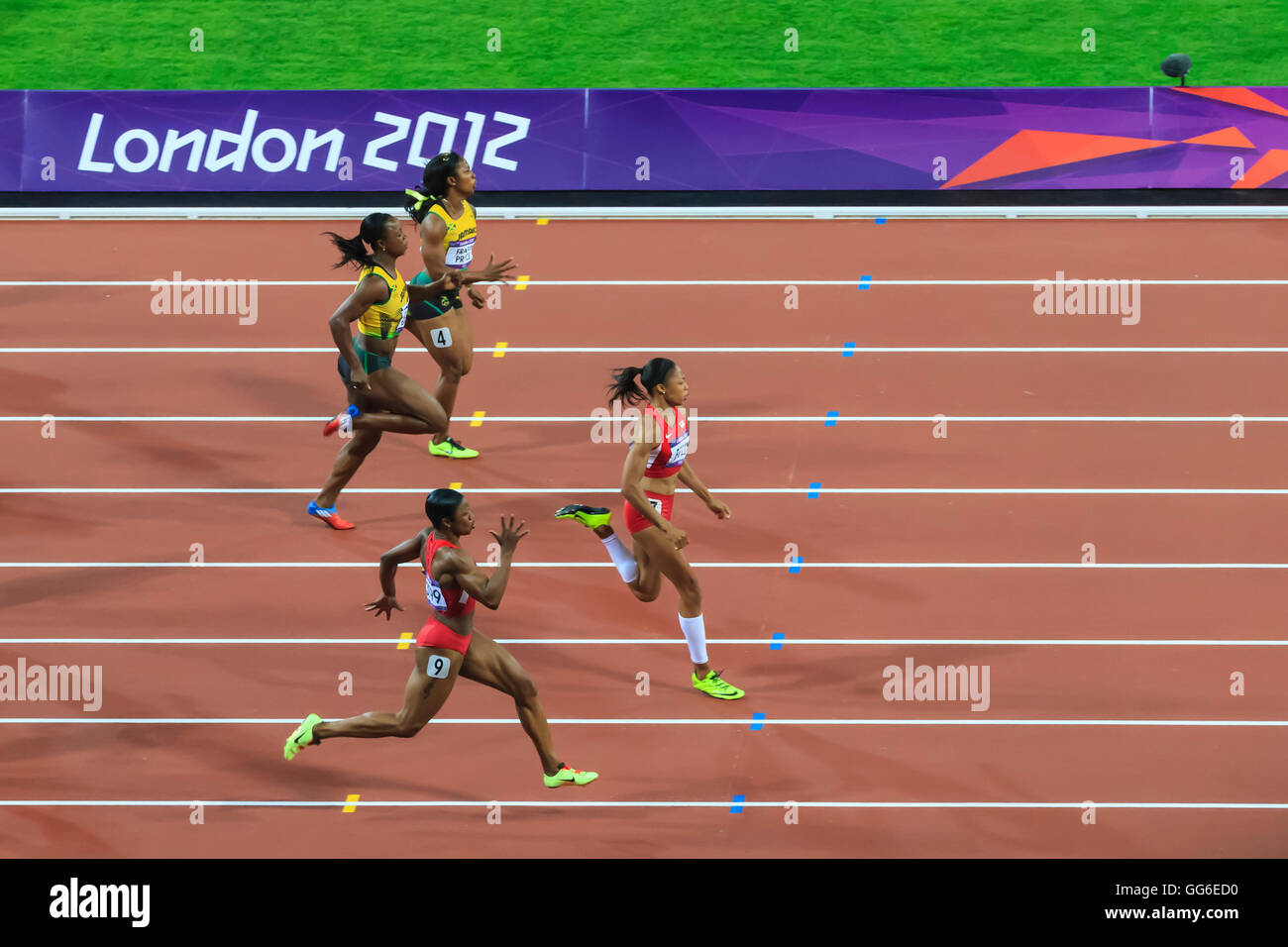 Allyson Felix, United States, powers to victory, Women's 200m final, Stadium, London 2012, Olympic Games, London, - Stock Image