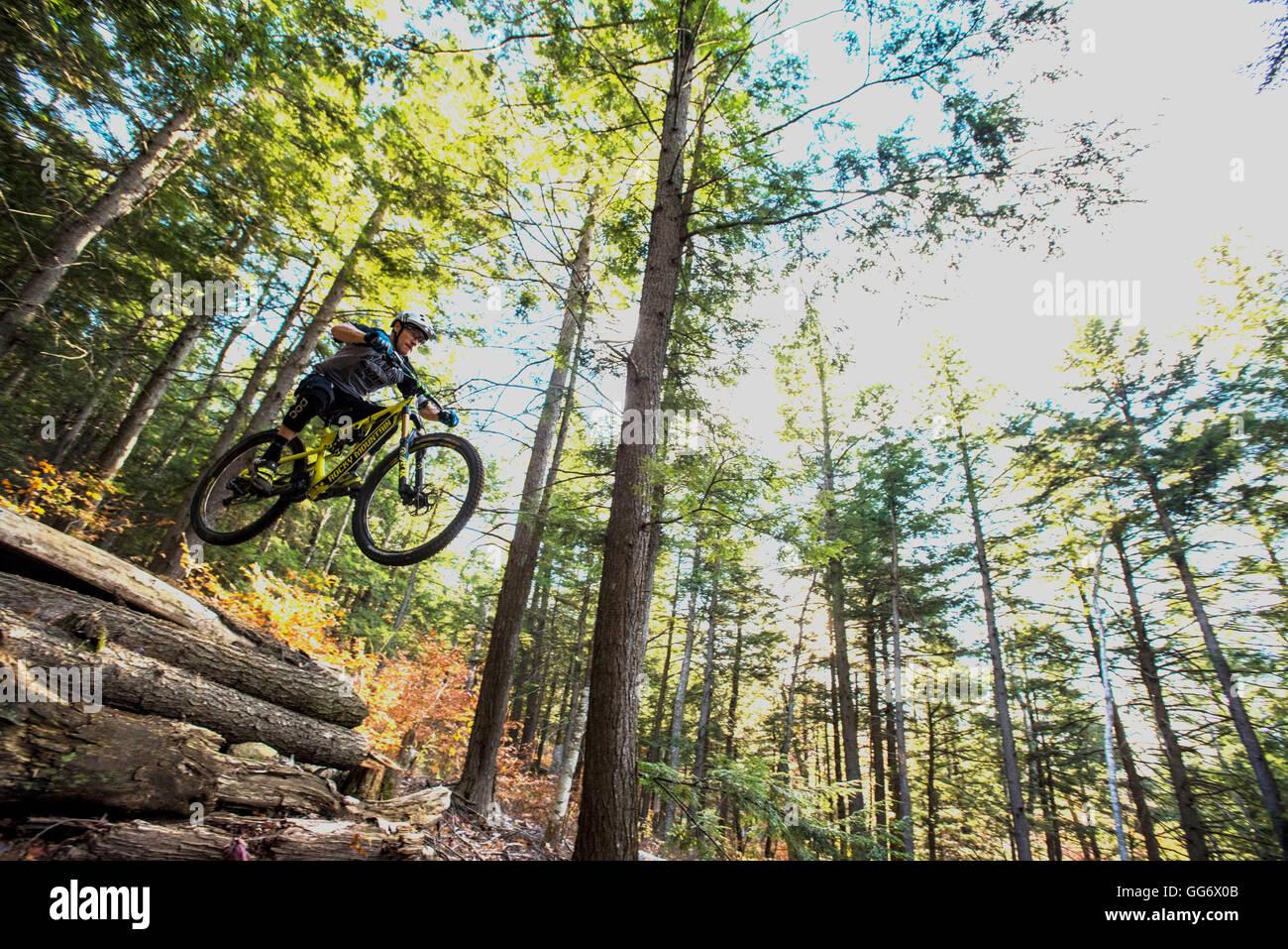 Autumn mountain biking in the WHite Mountains of New Hampshire. - Stock Image