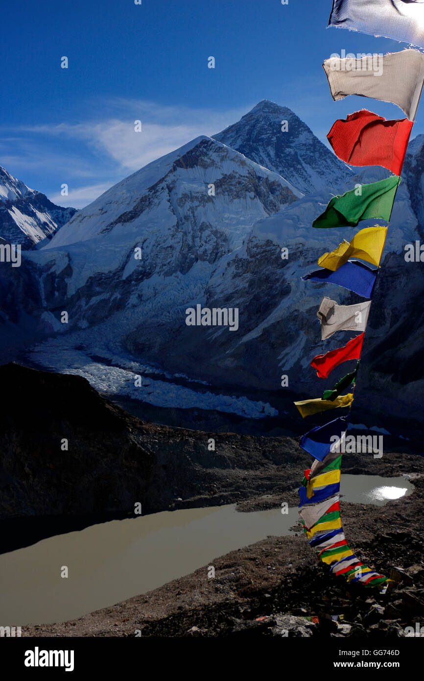View of Everest Peak and Kumbu icefall, from Kala Patthar view point with Tibetain Prayer flags at high point - Stock Image
