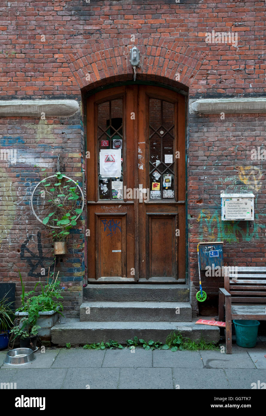 Hamburg, Germany. A Doorway In Jager Passage, Hamburg Made Famous By The  Beatle John Lennon