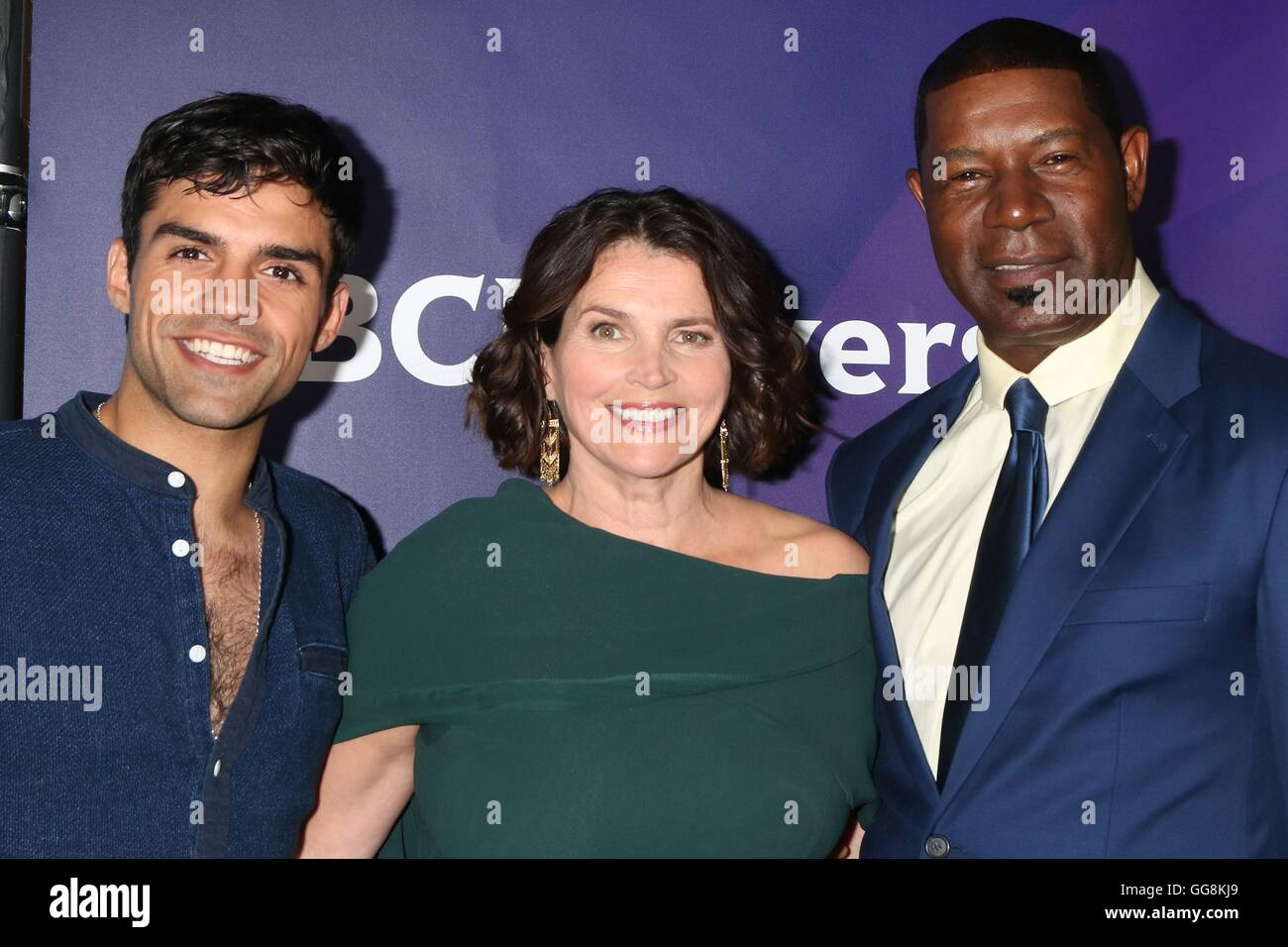 Beverly Hills, CA. 3rd Aug, 2016. Sean Teale, Julia Ormond, Dennis Haysbert_ at arrivals for 2016 NBC Universal - Stock Image