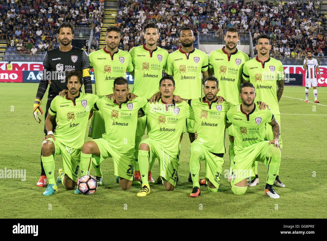 Cagliari, Italy. 31st July, 2016. Cagliari team group line-up Football/Soccer : Cagliari team group shot (Top row Stock Photo