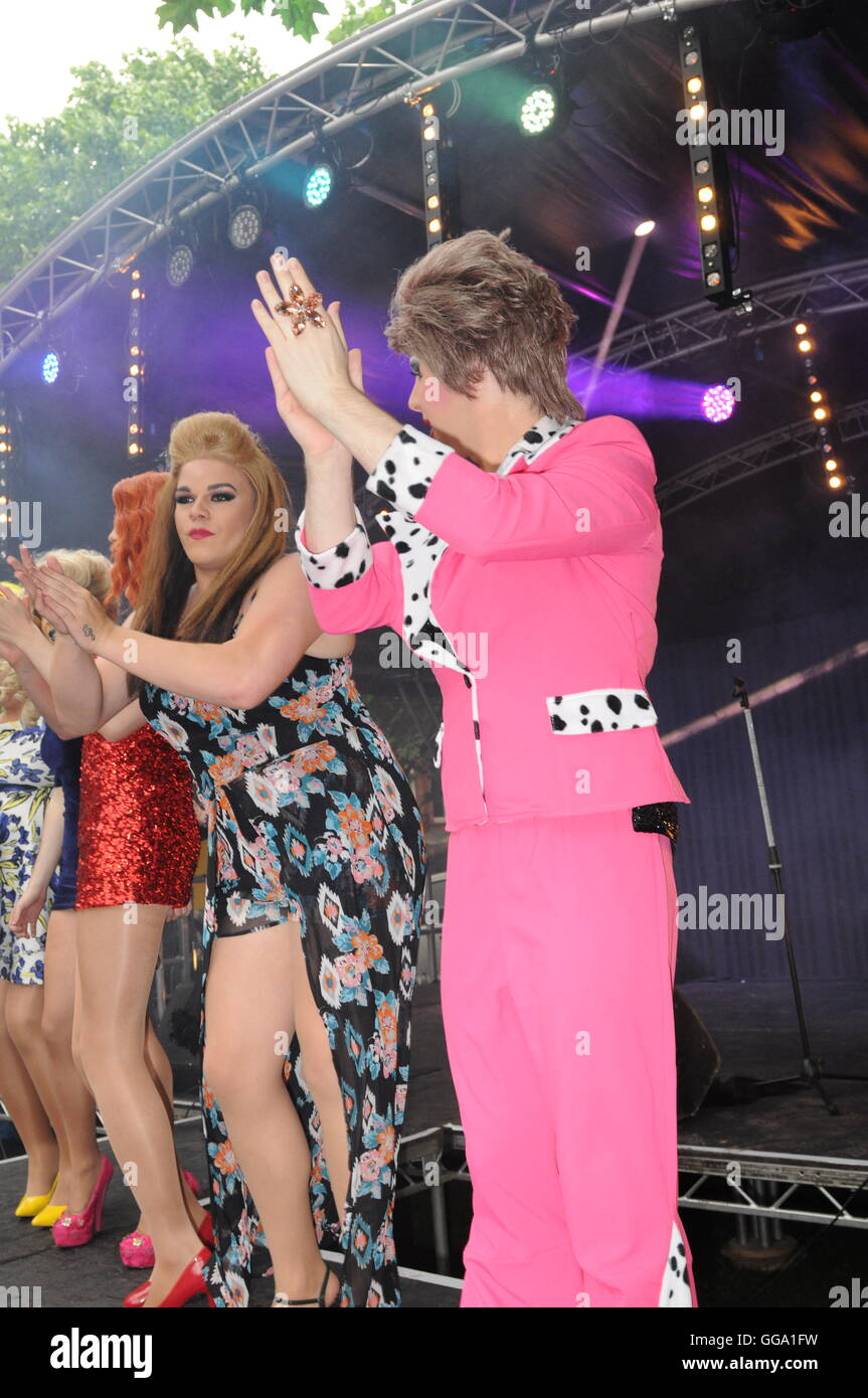 Sparkle In the Park captures the Sparkle Transgender Celebration perfectly. Sackville Gardens provides the perfect - Stock Image