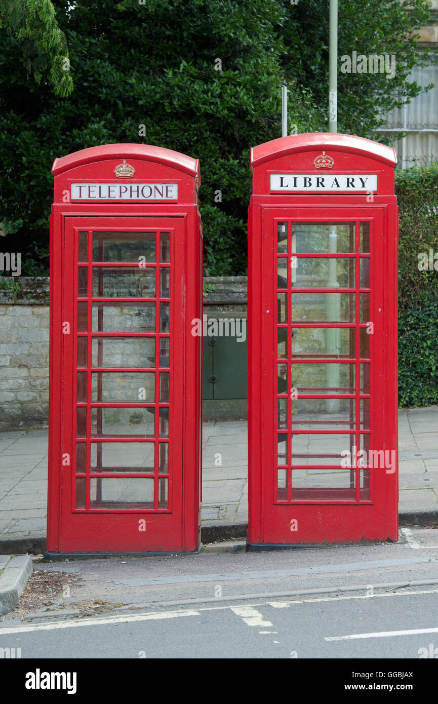Phone box library in Banbury, Oxfordshire, England - Stock Image