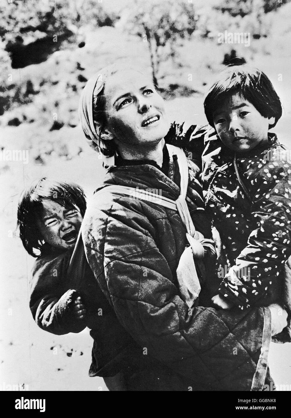 DIE HERBERGE ZUR 6. GLüCKSELIGKEIT / The Inn of the Sixth Happiness USA 1958 / Mark Robson Die Engländerin Gladys Stock Photo