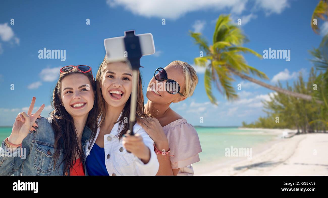 Hawaiian teen girl selfie