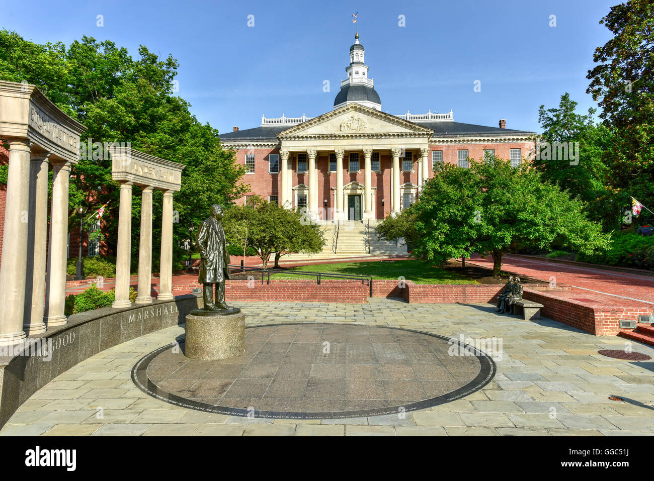Thurgood Marshall Monument beside the Maryland State Capital building in Annapolis, Maryland on summer afternoon. - Stock Image