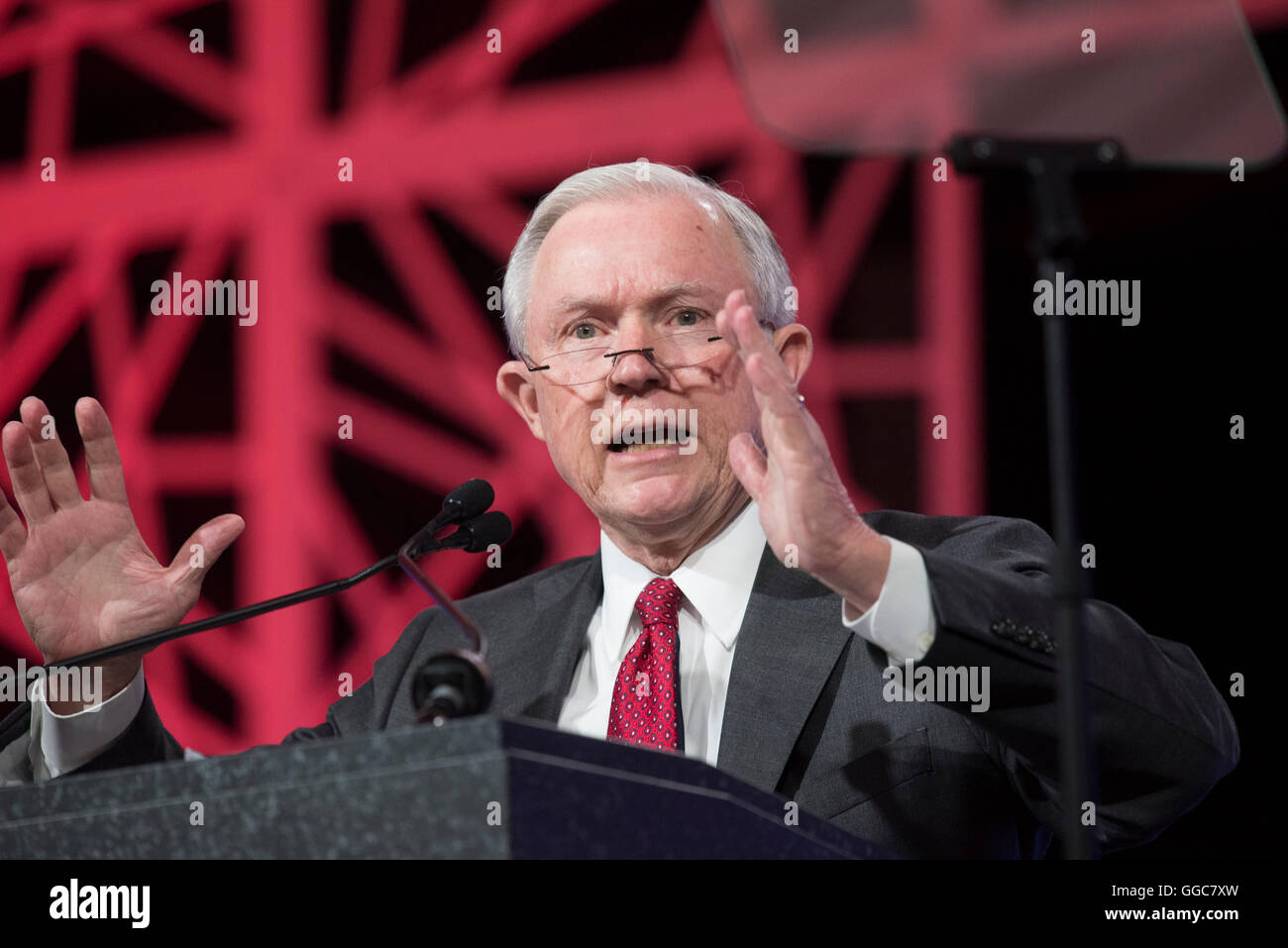 U.S. Sen. Jeff Sessions speaking on behalf of Donald Trump at the Republican Party of Texas convention in Dallas - Stock Image
