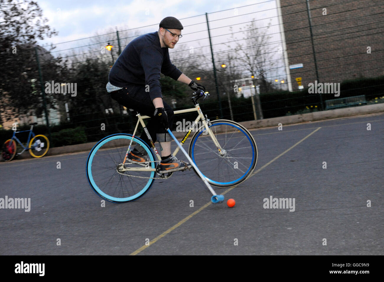 Bike polo in Newington Park on Harper Road, just off Newington Causeway near Elephant and Castle. 1st April 2009. - Stock Image