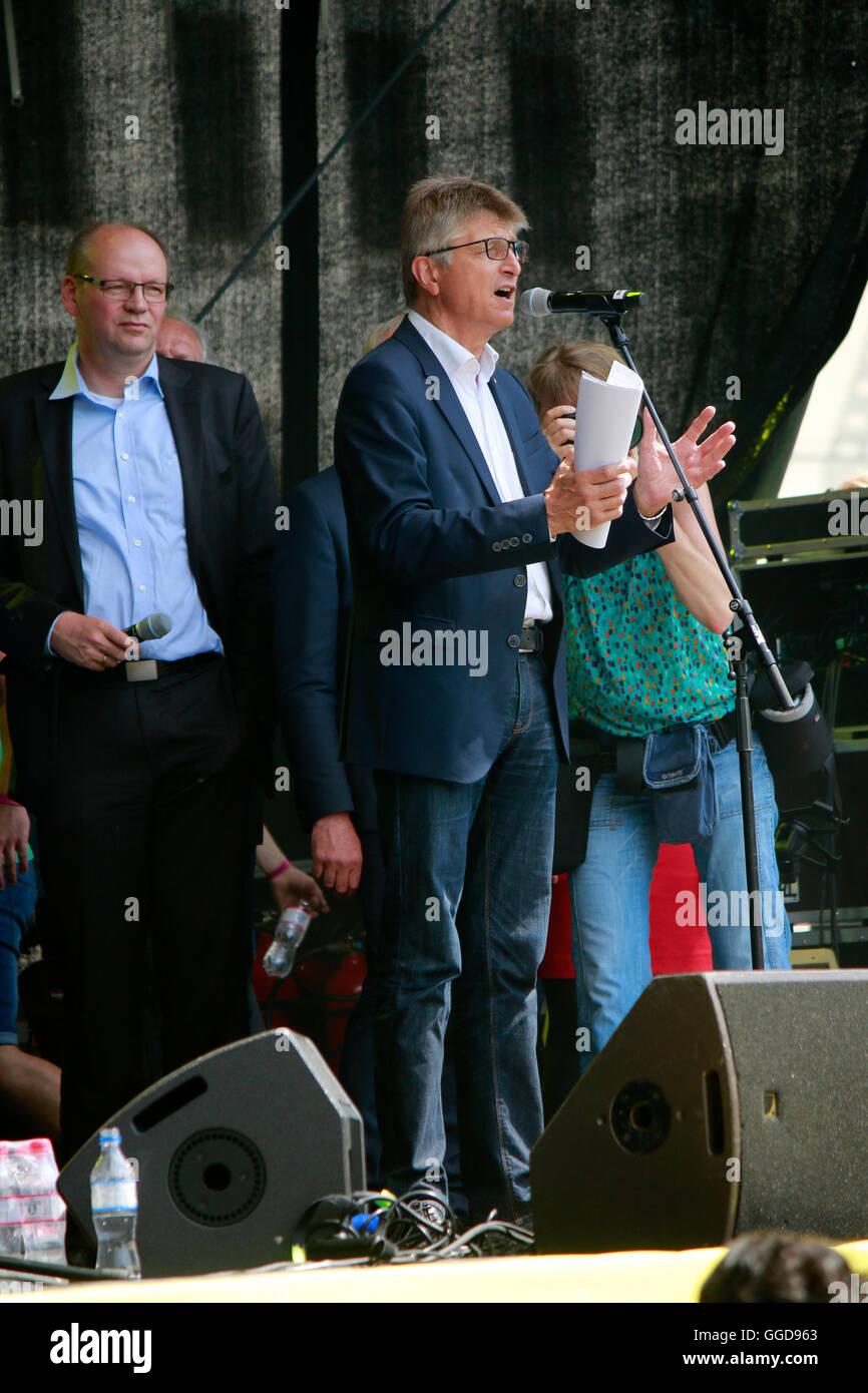 Impressionen - Demonstration fuer regenerative Energien, 2. Juni 2016, Berlin-Tiergarten. - Stock Image