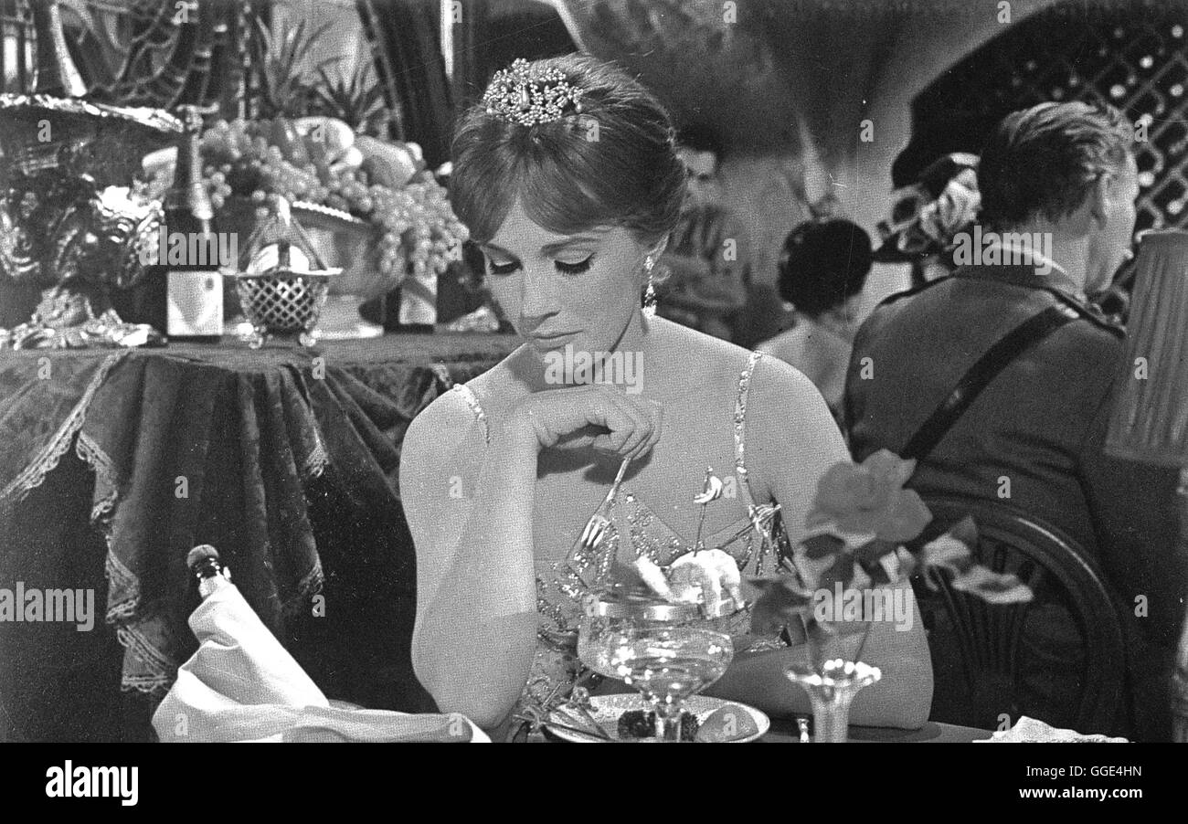 DARLING LILI / USA 1970 / Blake Edwards JULIE ANDREWS (Lili Smith) Regie: Blake Edwards - Stock Image