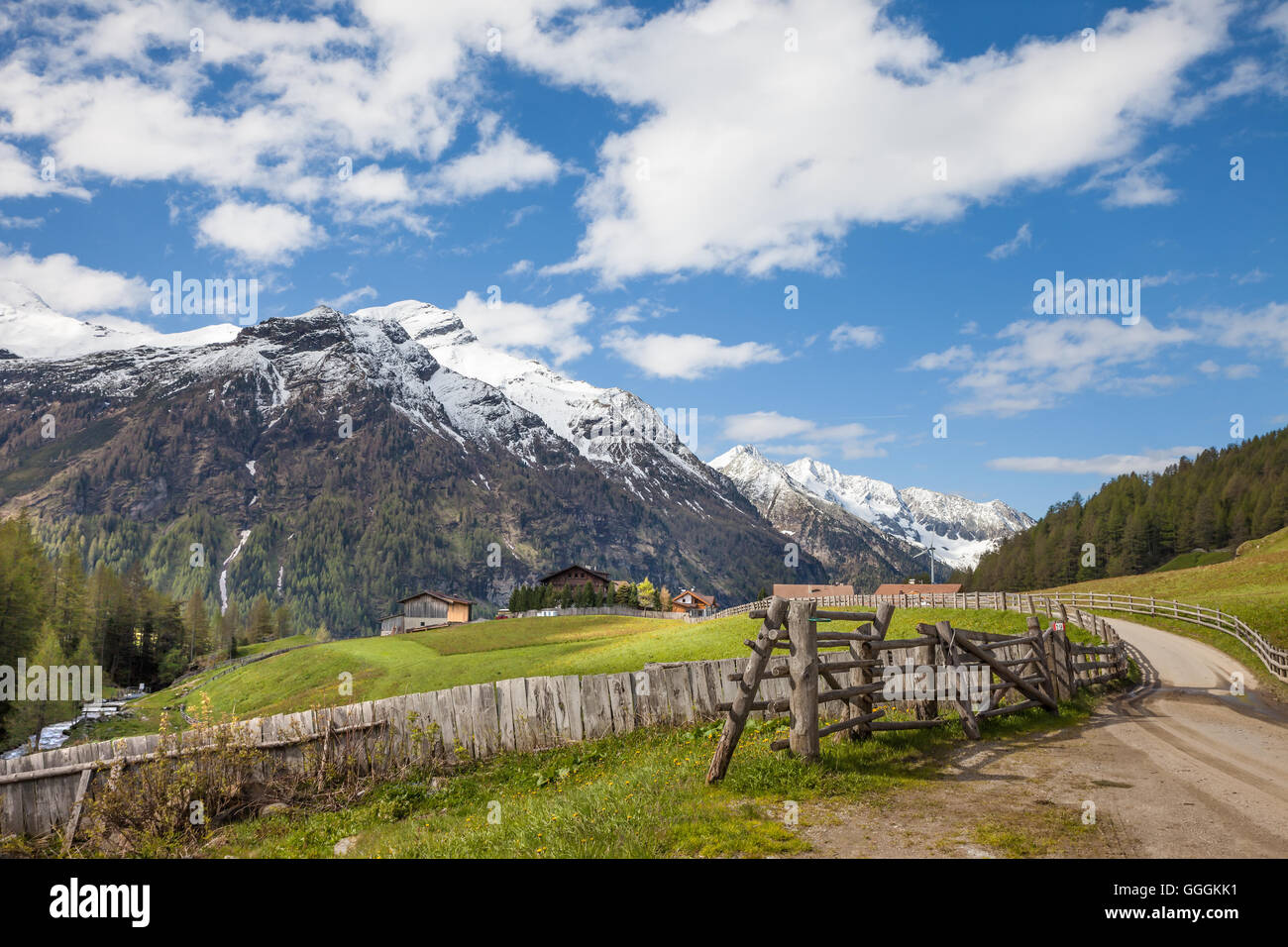 geography / travel, Italy, South Tyrol, head of the valley of the Reintals with view on the Rieserferner Group, Stock Photo