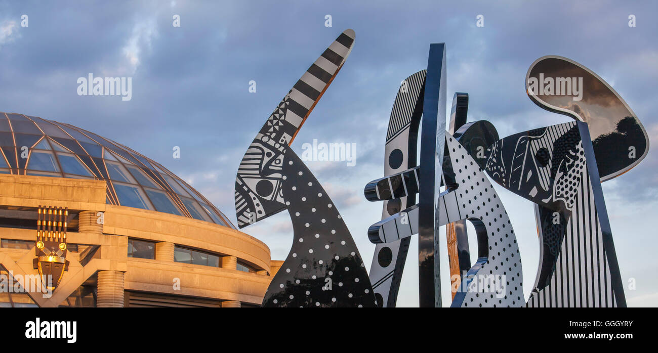 Detroit, Michigan - A sculpture by Charles McGee outside the Charles H. Wright Museum of African American History. - Stock Image