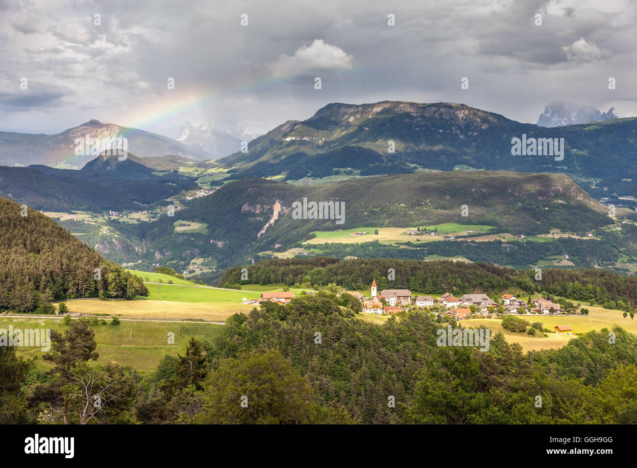 geography / travel, Italy, South Tyrol, background of mountains near Lengstein on the ride, Additional-Rights-Clearance - Stock Image