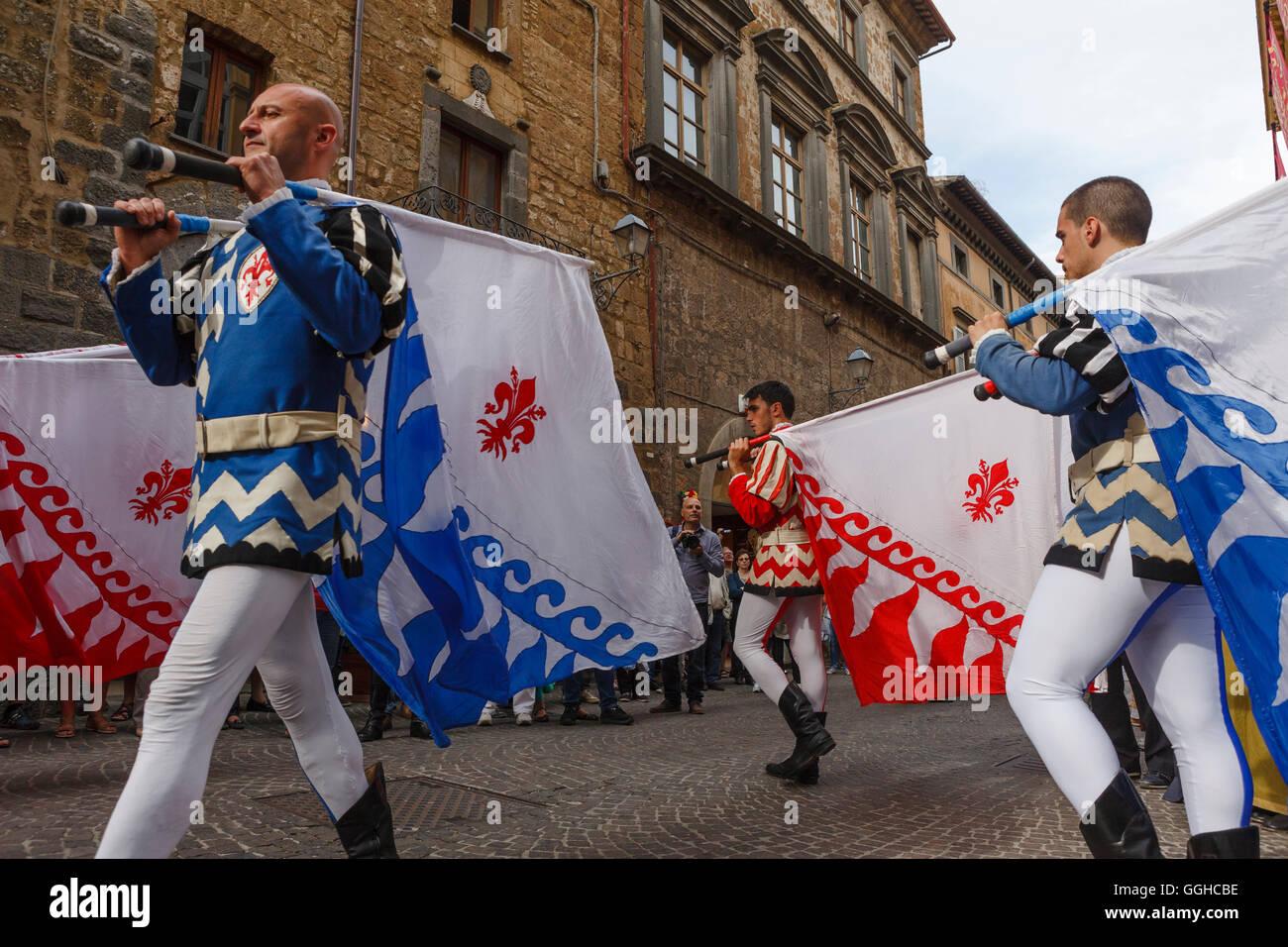 Flag Bearers Stock Photos & Flag Bearers Stock Images - Alamy