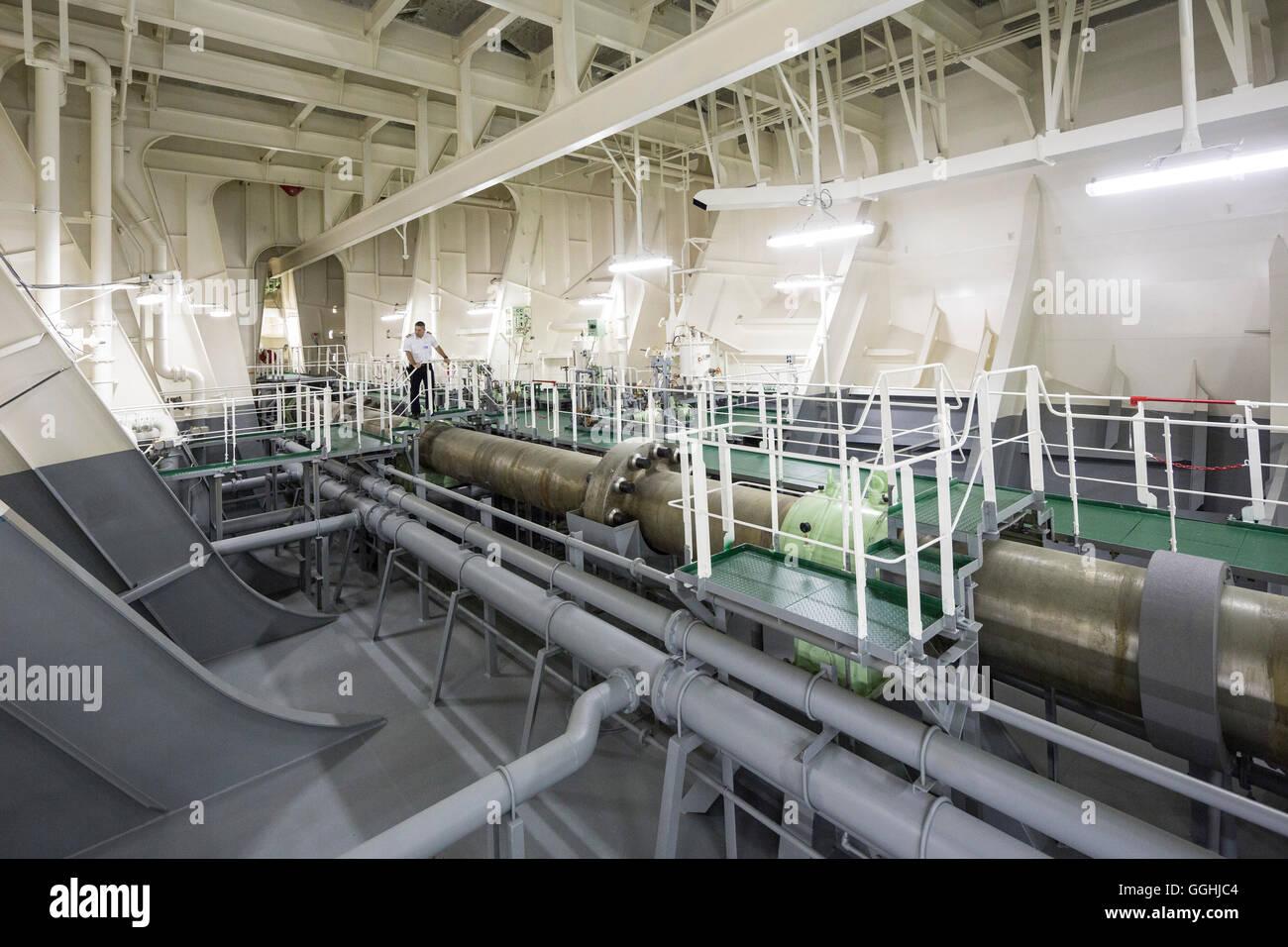 Drive shaft of the CMA CGM Marco Polo, Engine Room, Hamburg, Germany - Stock Image