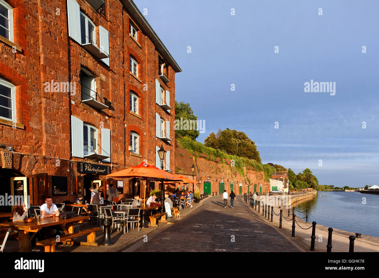 Waterfront pub on the quay of the river Exe, Exeter, Devon, England, Great Britain - Stock Image