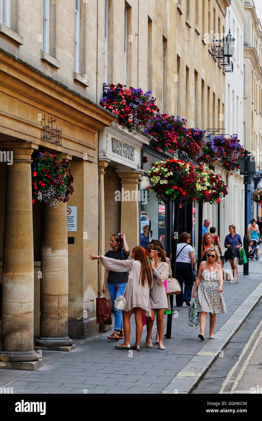 Shopping in der New Bond Street, Bath, Somerset, England, Great Britain - Stock Image