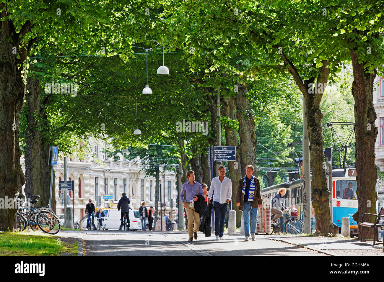 People strolling through the Parkgatan, Gothenburg, Sweden - Stock Image