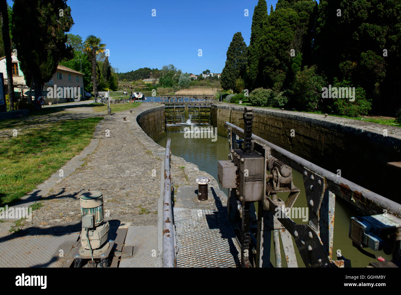 A sluice in the Canal du Midi, near Carcassone, France - Stock Image
