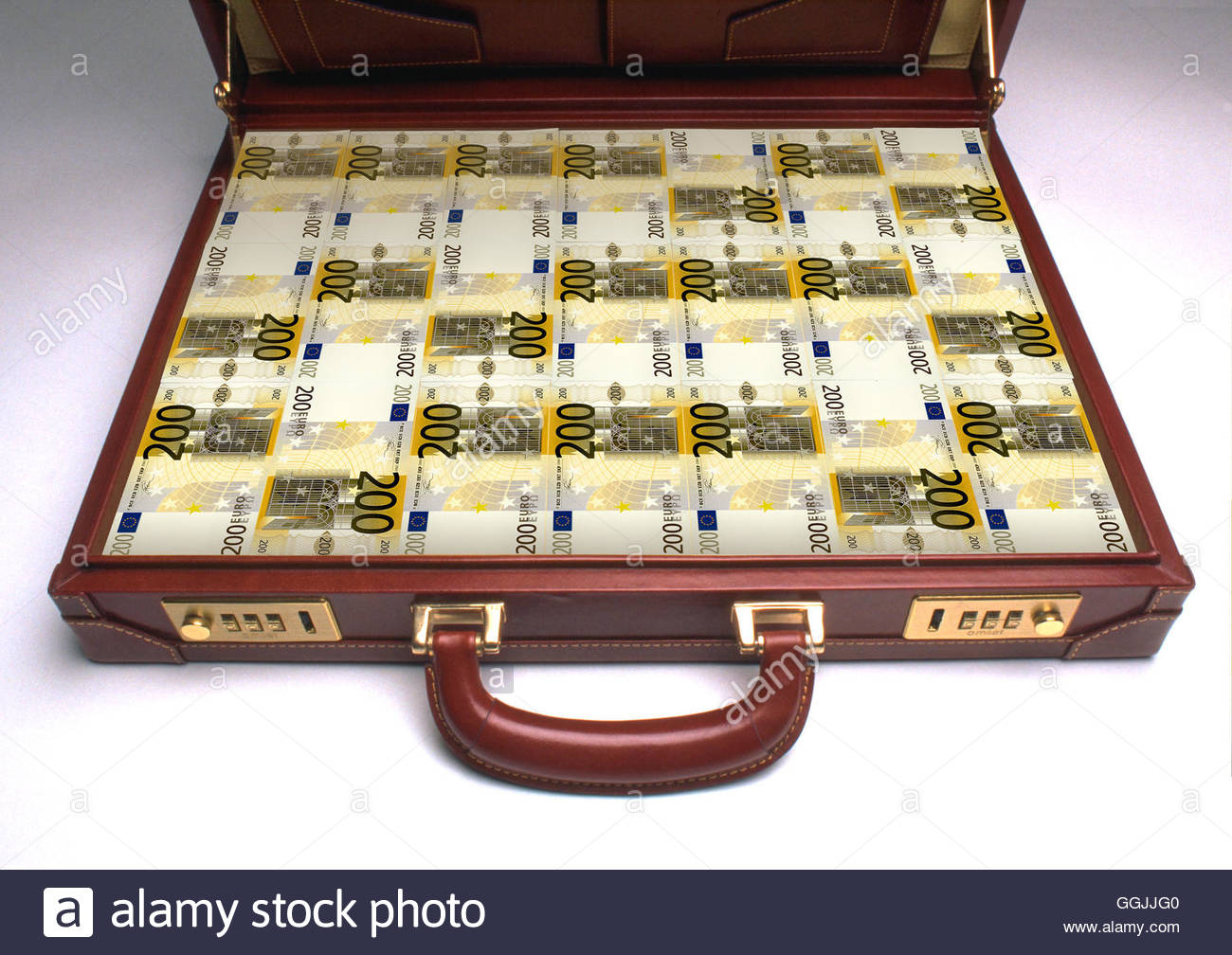 Briefcase packed full of 200 euro banknotes. - Stock Image
