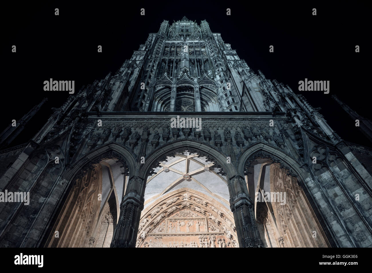 symmetrical front view of Ulm Cathedral, Ulm, Swabian Alp, Baden-Wuerttemberg, Germany - Stock Image