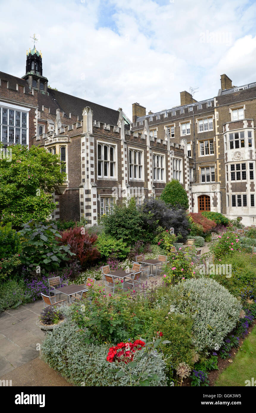 Inner Temple Gardens in one of the four Inns of Court in central London - Stock Image