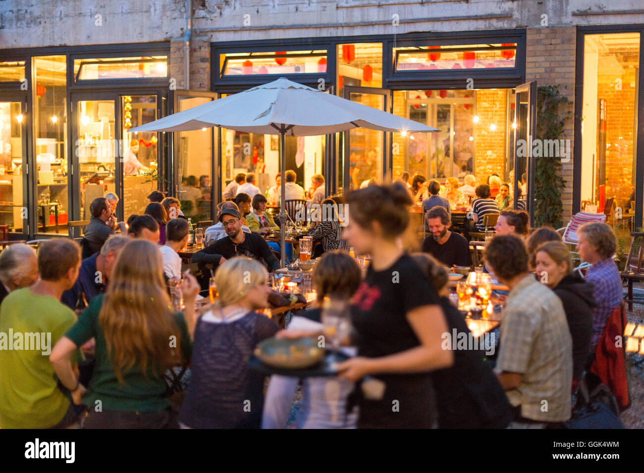 Guests Dining In Restaurant Stock Photos & Guests Dining In ...