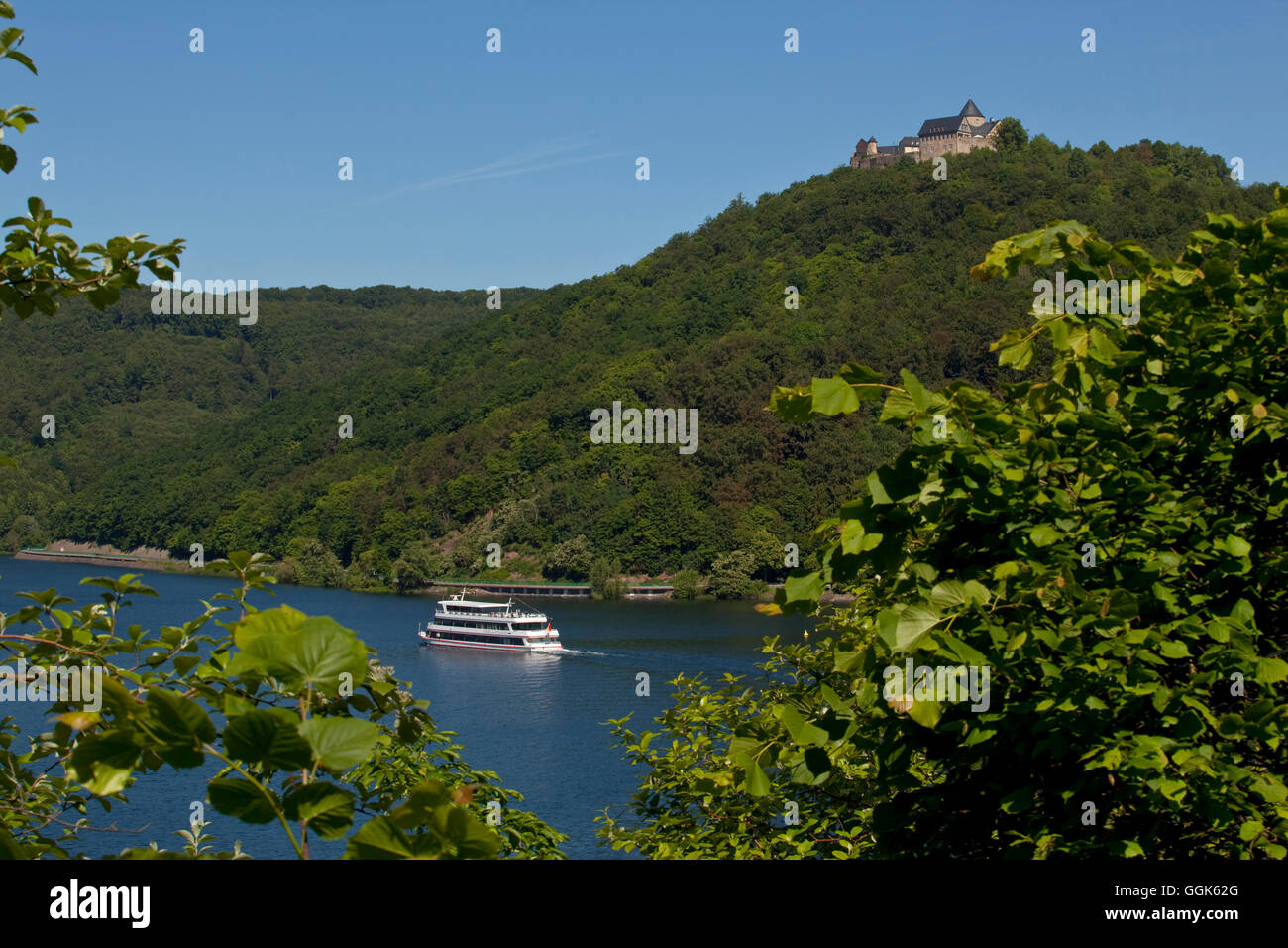Waldeck Castle and excursion boat Stern von Waldeck on Lake Edersee in Kellerwald-Edersee National Park, Lake Edersee, - Stock Image
