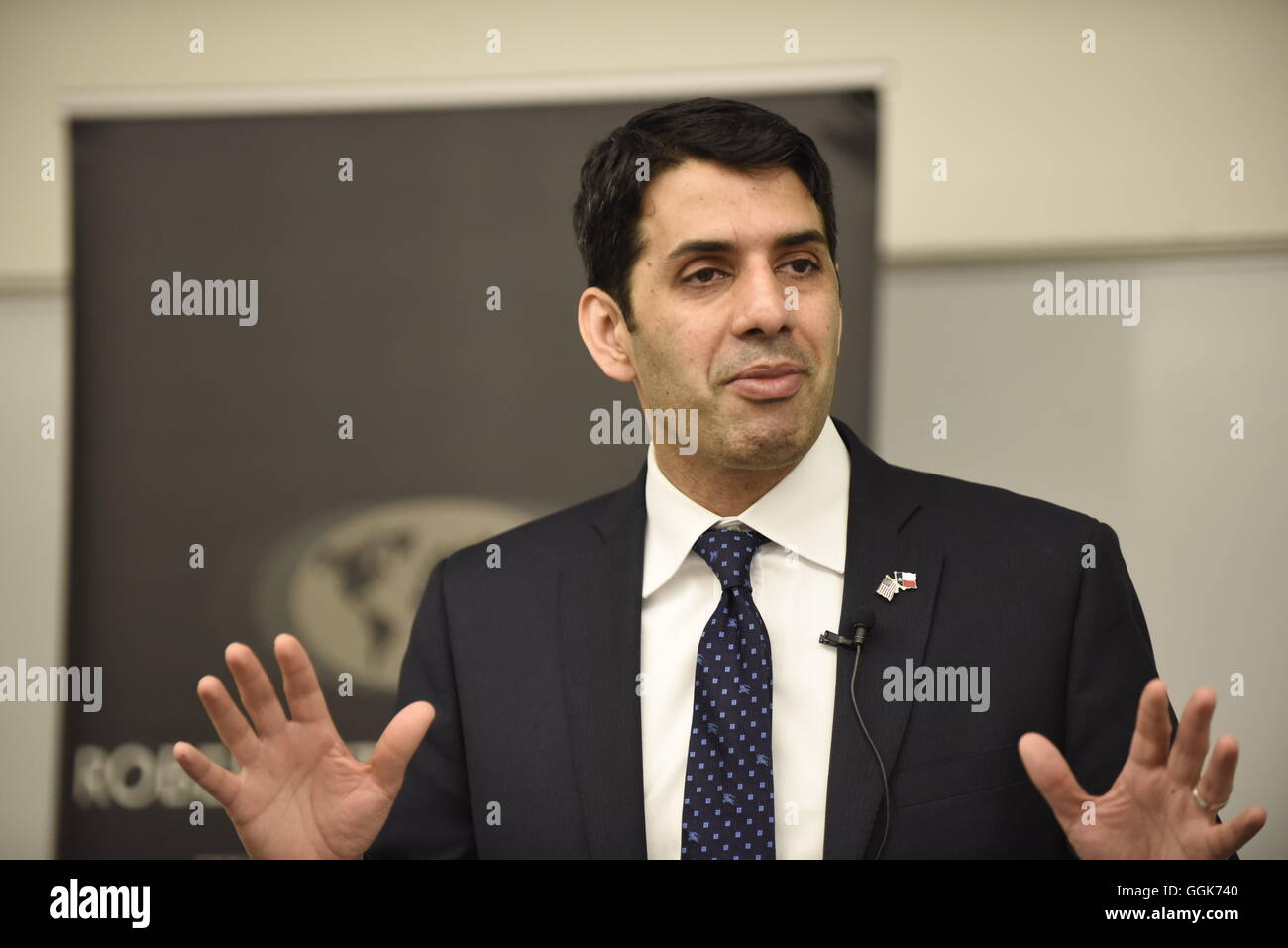 Univ. of Texas alumnus and Muslim representative to the United States Department of State Shaarik Zafar speaks to - Stock Image