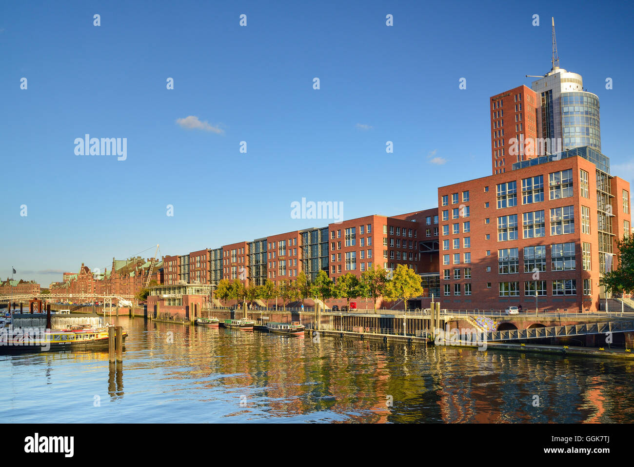 Inland port with old and modern buildings of the old Warehouse district, Warehouse district, Speicherstadt, Hamburg, - Stock Image