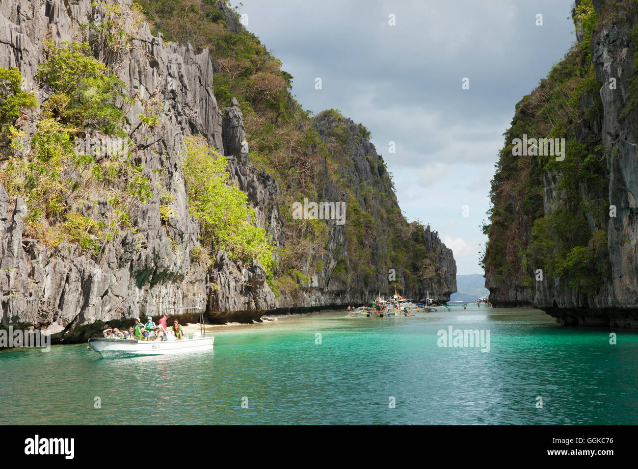 Tour boats in the archipelago Bacuit near El Nido, Palawan Island, South China Sea, Philippines, Asia - Stock Image