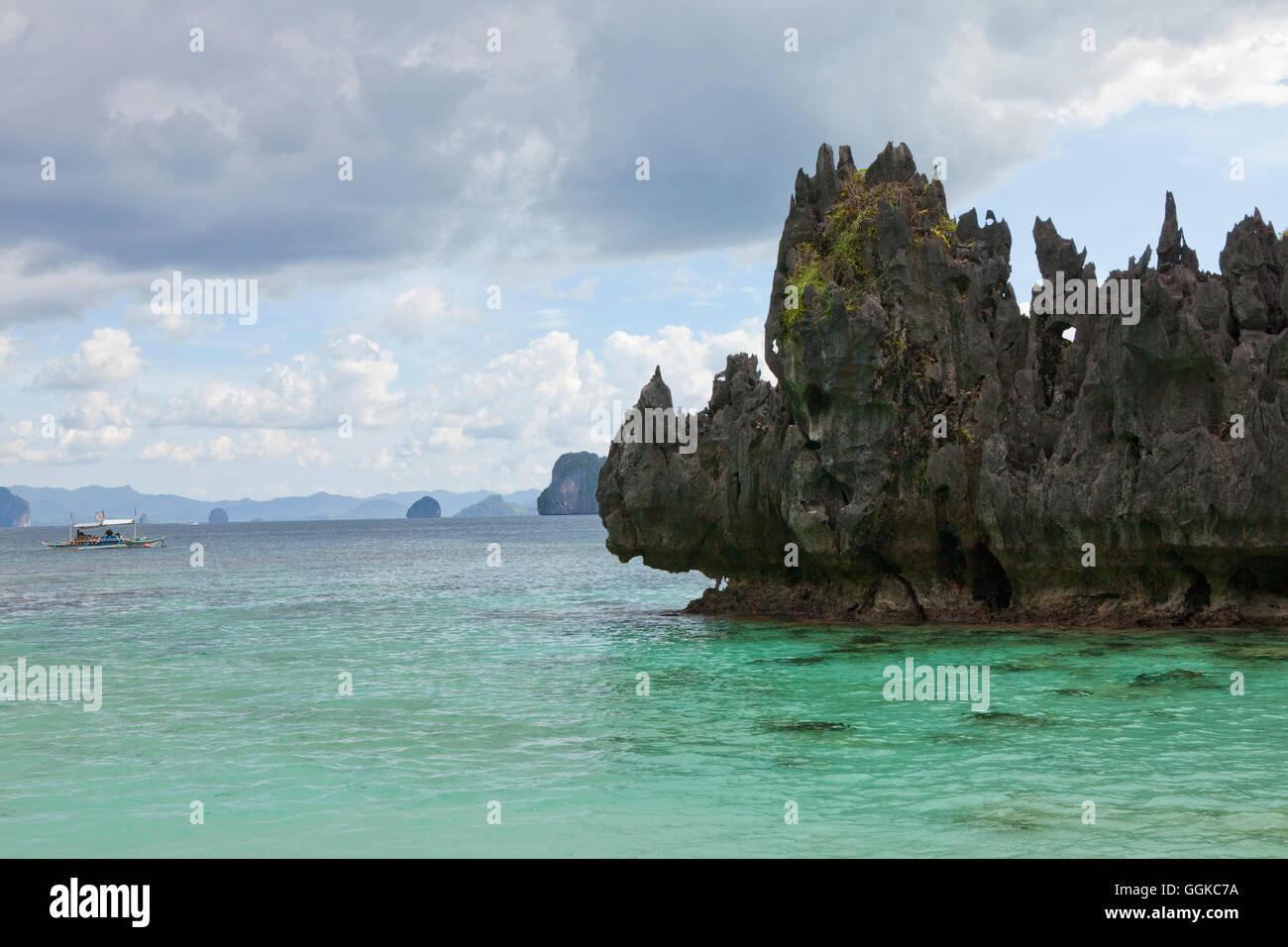 Bizarre rocks in the archipelago Bacuit near El Nido, Palawan Island, South China Sea, Philippines, Asia - Stock Image