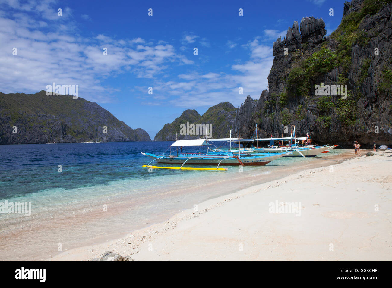 Tropical beach in the archipelago Bacuit near El Nido, Palawan Island, South China Sea, Philippines, Asia - Stock Image