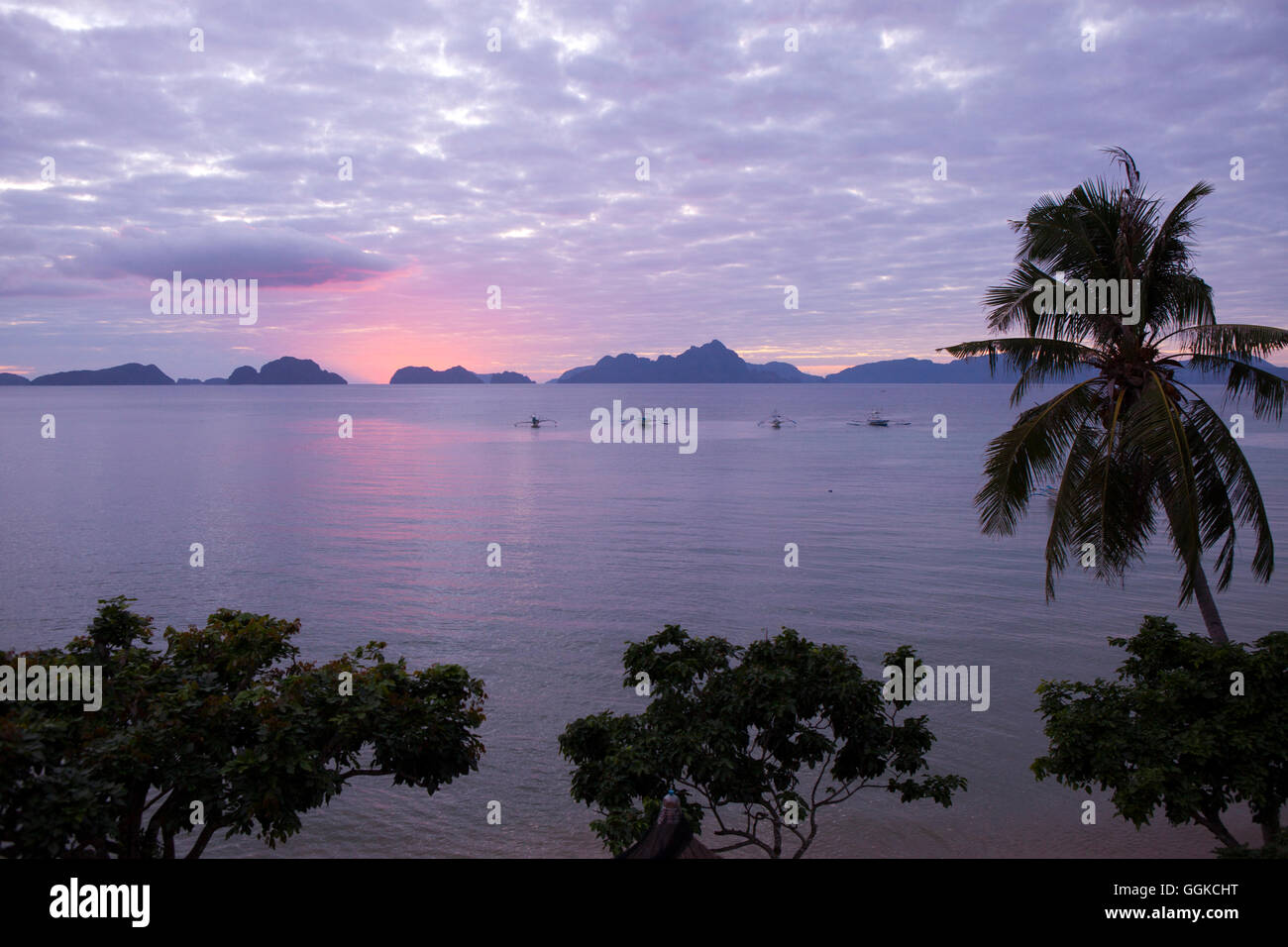 Sunset in the Archipelago Bacuit near El Nido, Palawan Island, South China Sea, Philippines, Asia - Stock Image