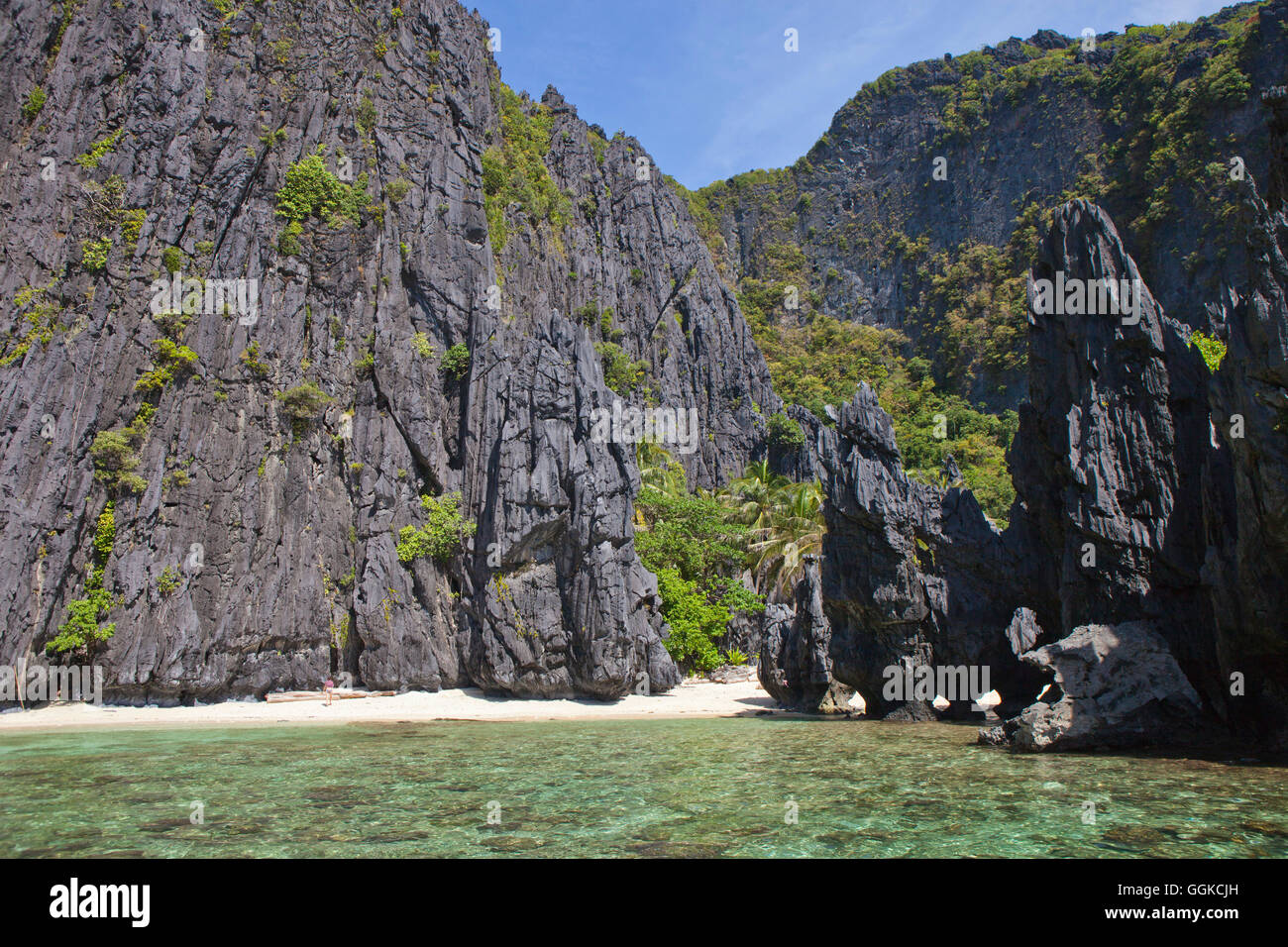 Bizarre rock formations in the archipelago Bacuit near El Nido, Palawan Island, South China Sea, Philippines, Asia - Stock Image