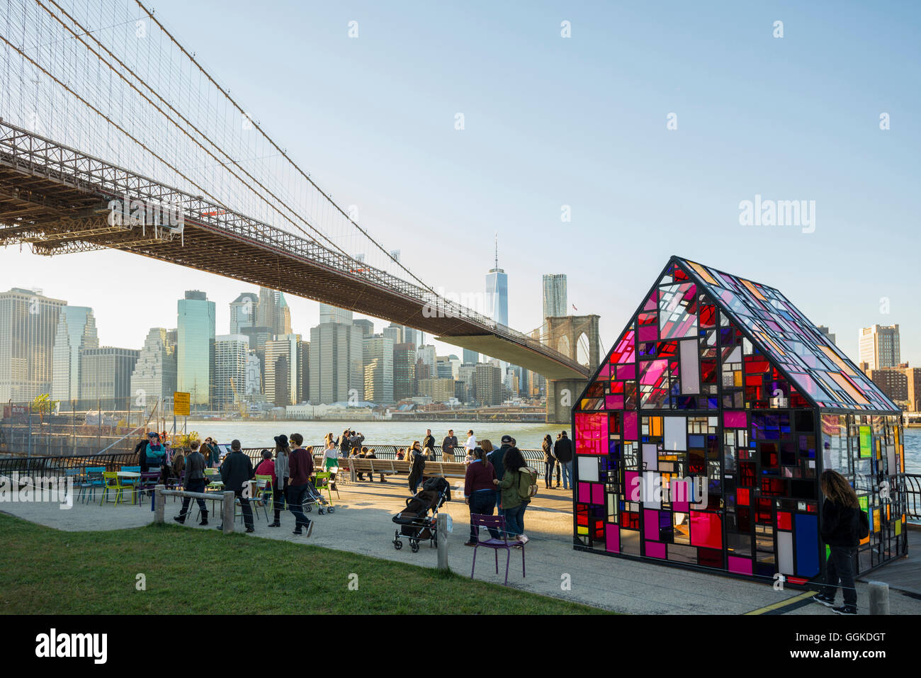 Buntes Glashaus, Fulton Ferry State Park, Dumbo, Brooklyn, New York, USA - Stock Image