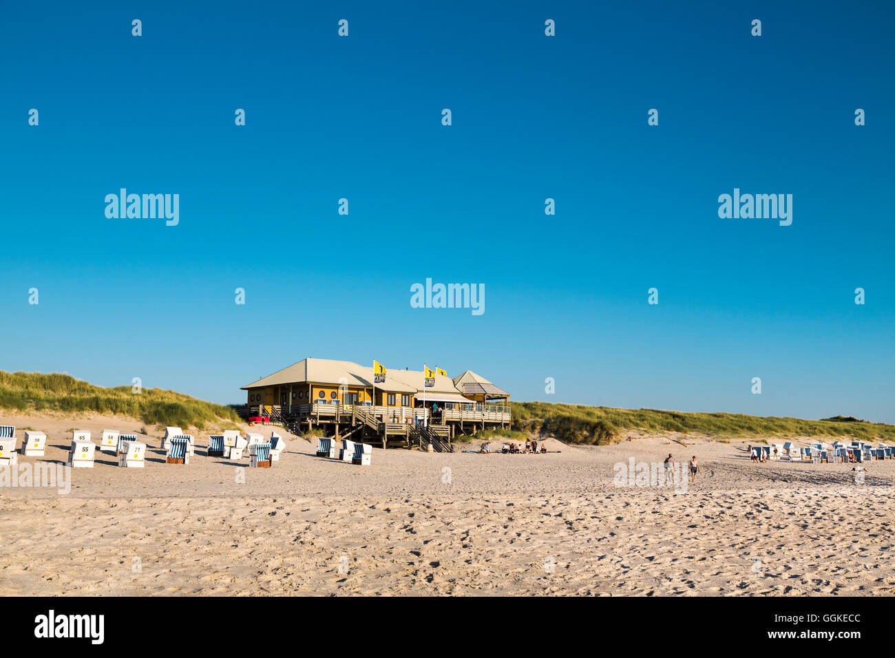 Beach bar La Grande Plage, Sylt Island, North Frisian Islands, Schleswig-Holstein, Germany - Stock Image