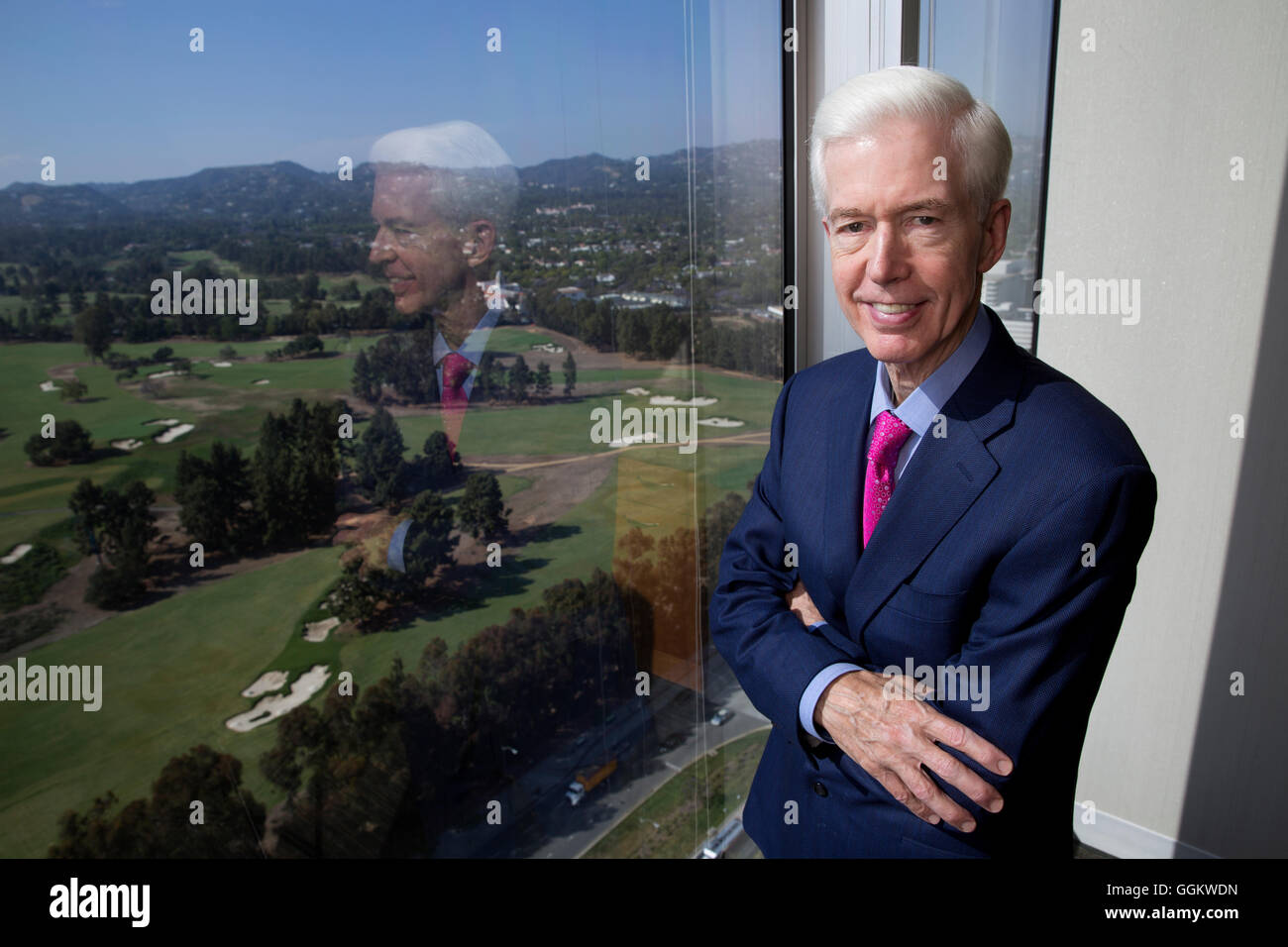 California Governor Gray Davis poses for a portrait in his office at Loeb & Loeb in Century City, Los Angeles - Stock Image