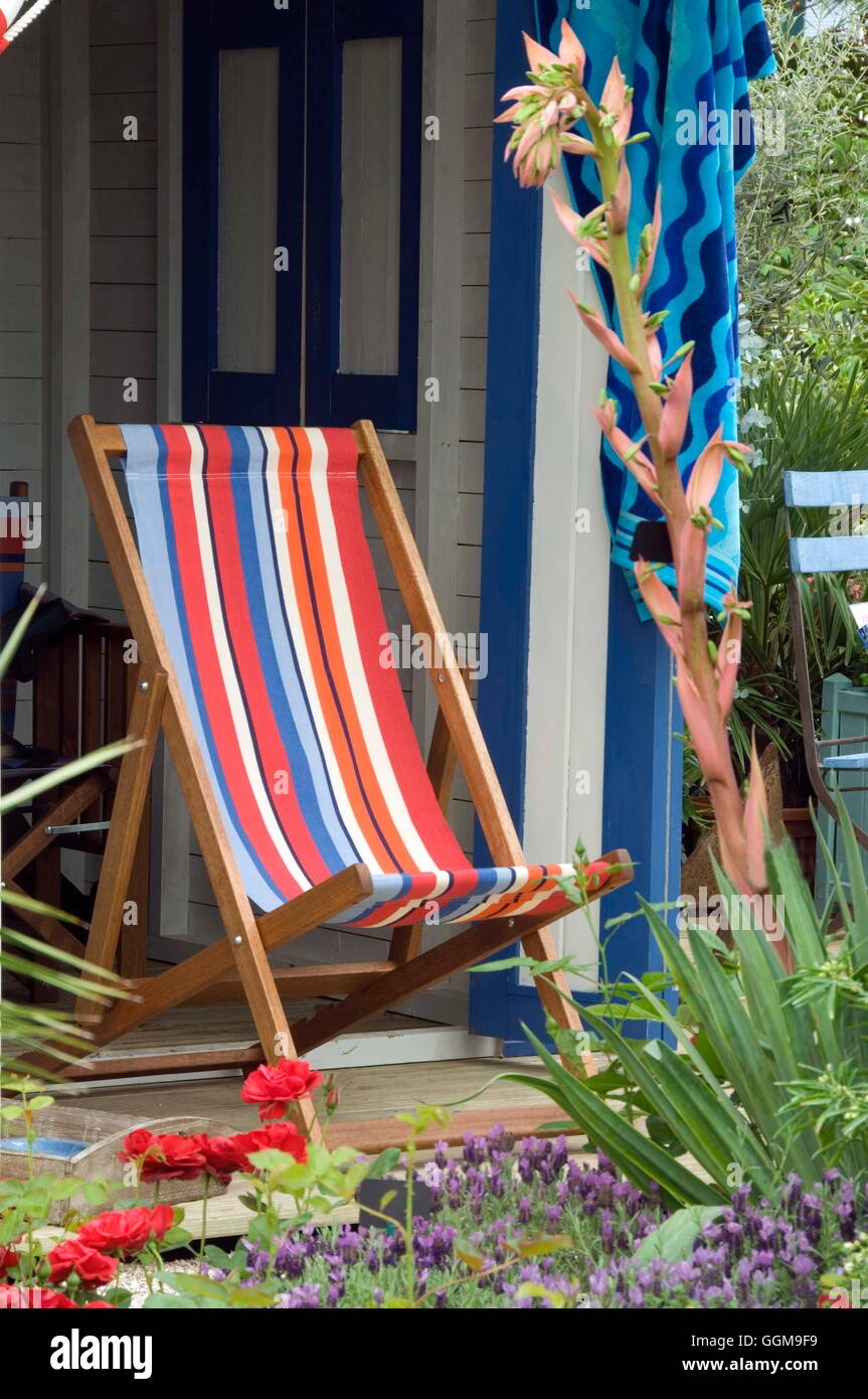 Seaside theme on part of Hillier Nurseries exhibit 'Sail for Gold' inspired by Skandia British Sailing Team.  Chelsea Stock Photo