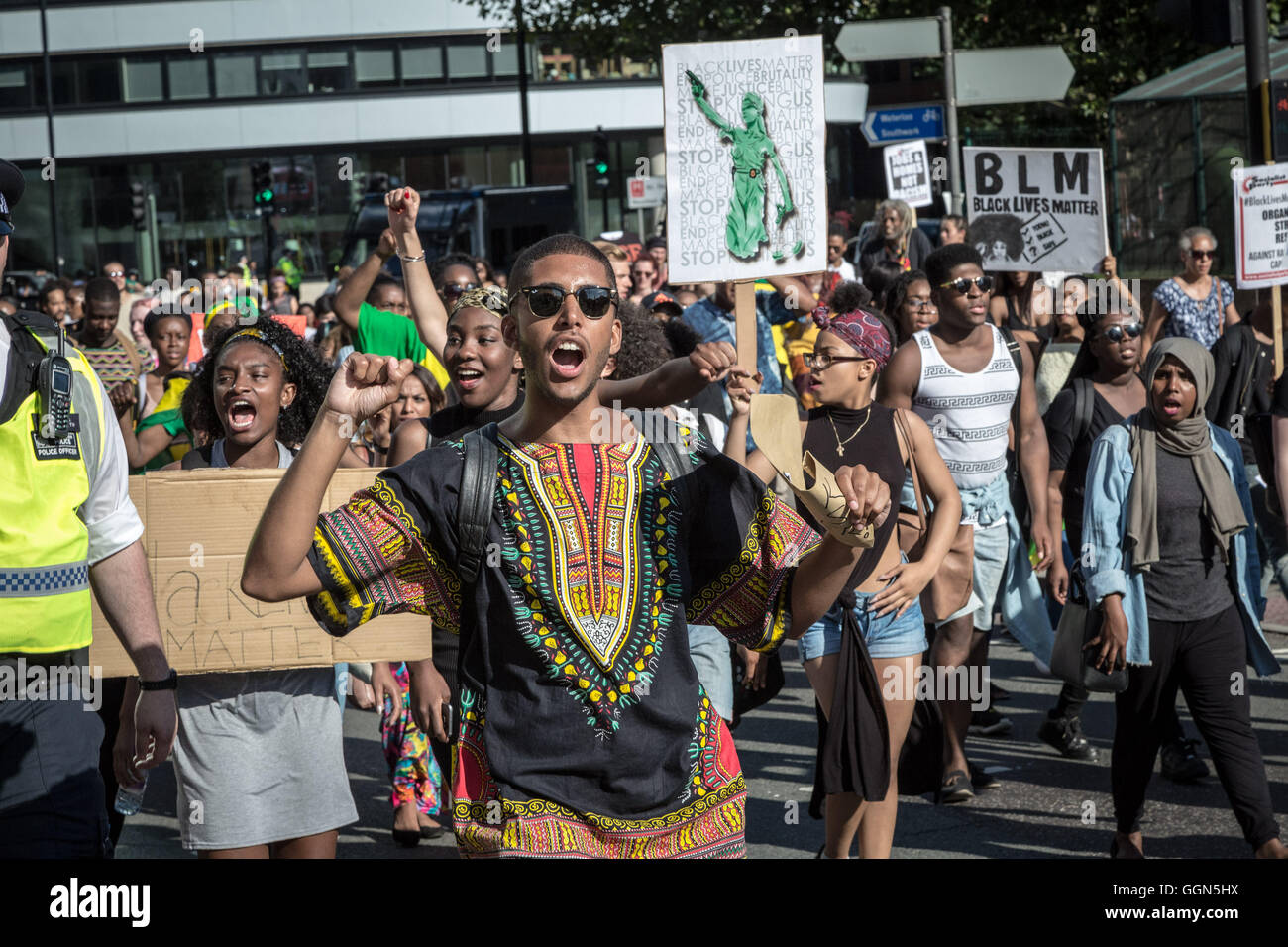 London, UK. 6th August, 2016. Black Lives Matter protest march and demonstration through Westminster towards Downing - Stock Image