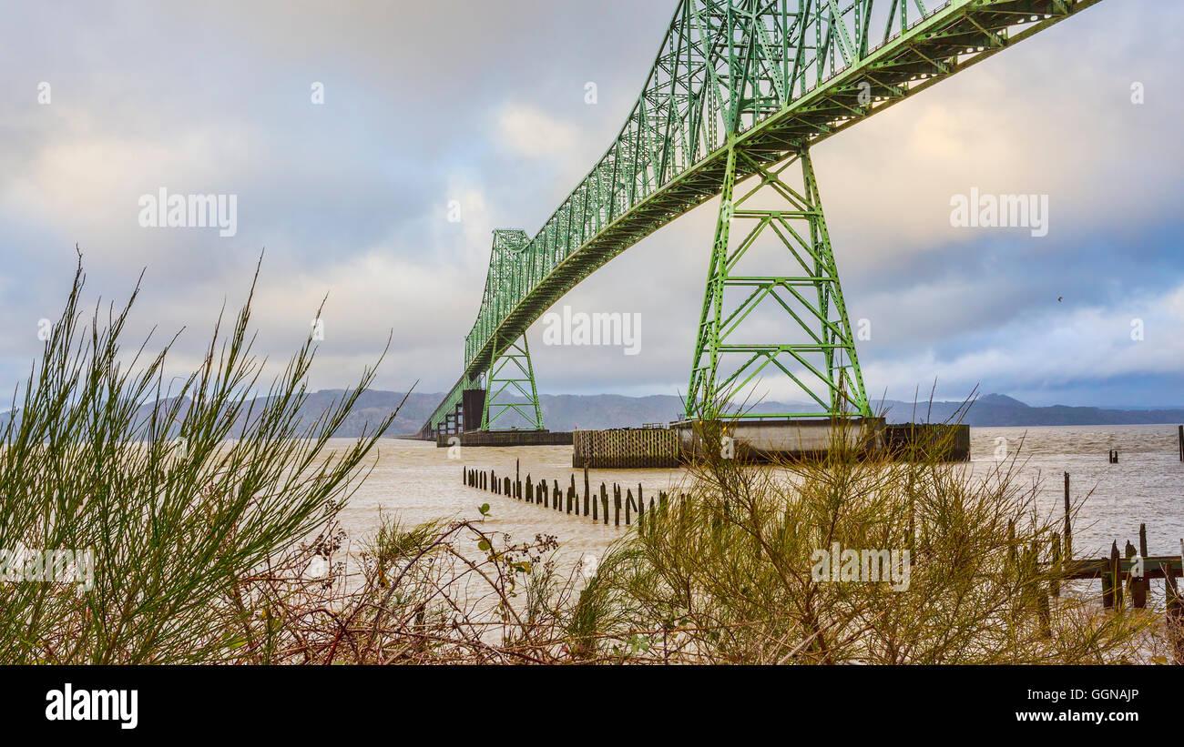 Astoria-Megler Bridge, Columbia River, a steel girder continuous truss bridge spanning the Columbia River,Astoria, - Stock Image