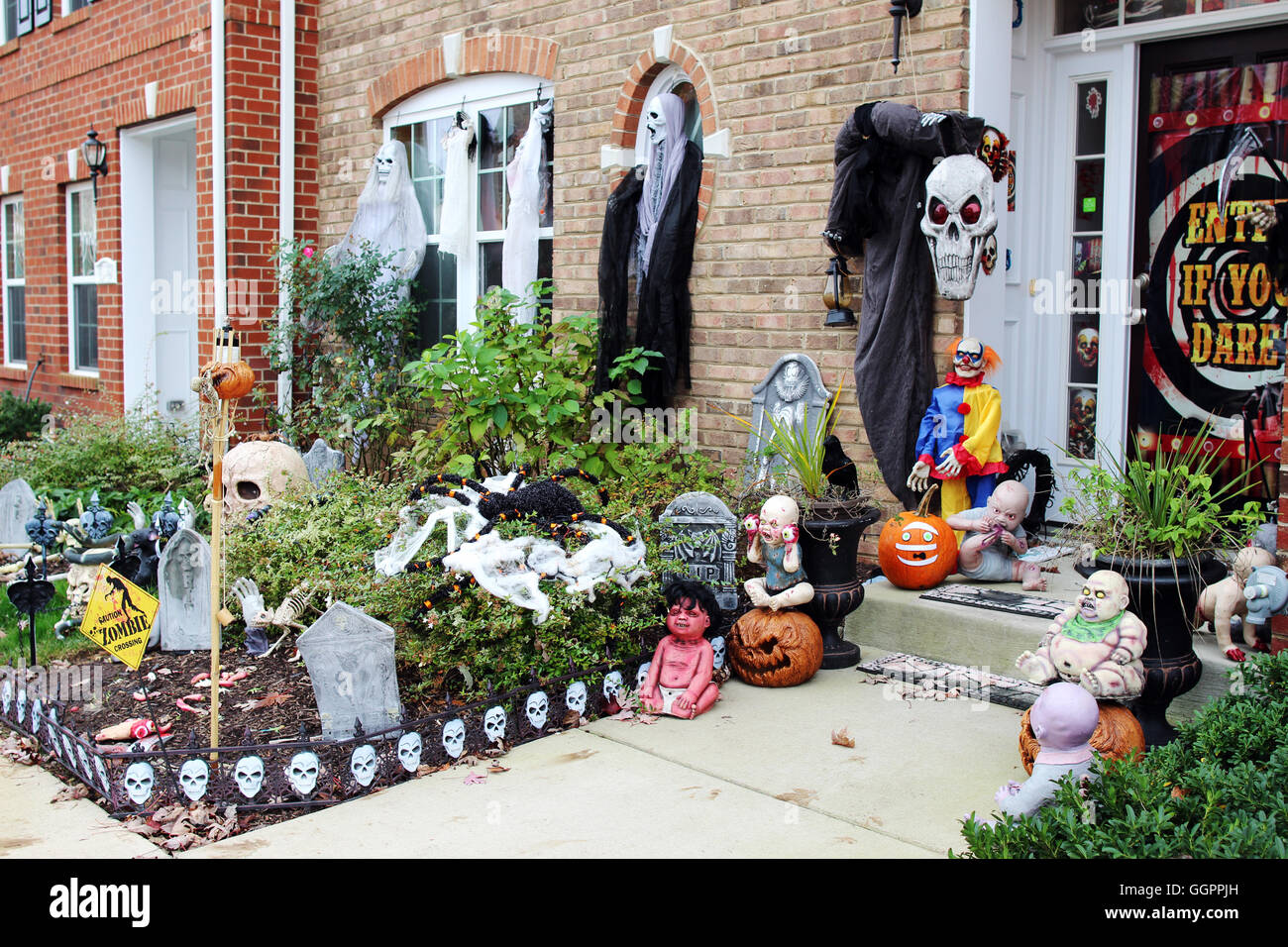 Halloween front door decorations Stock Alamy