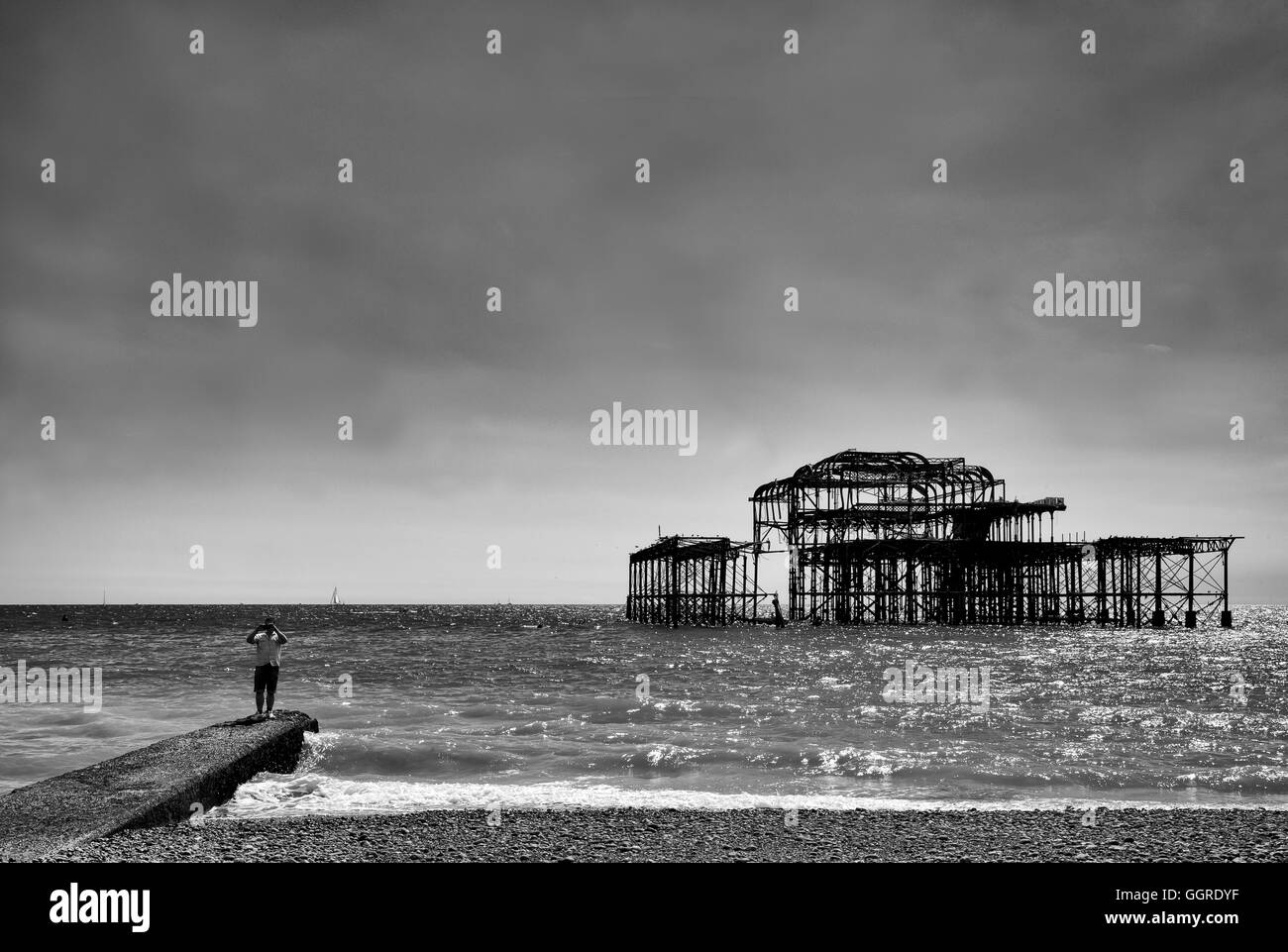 Birghton, West Pier in Black and White - Stock Image