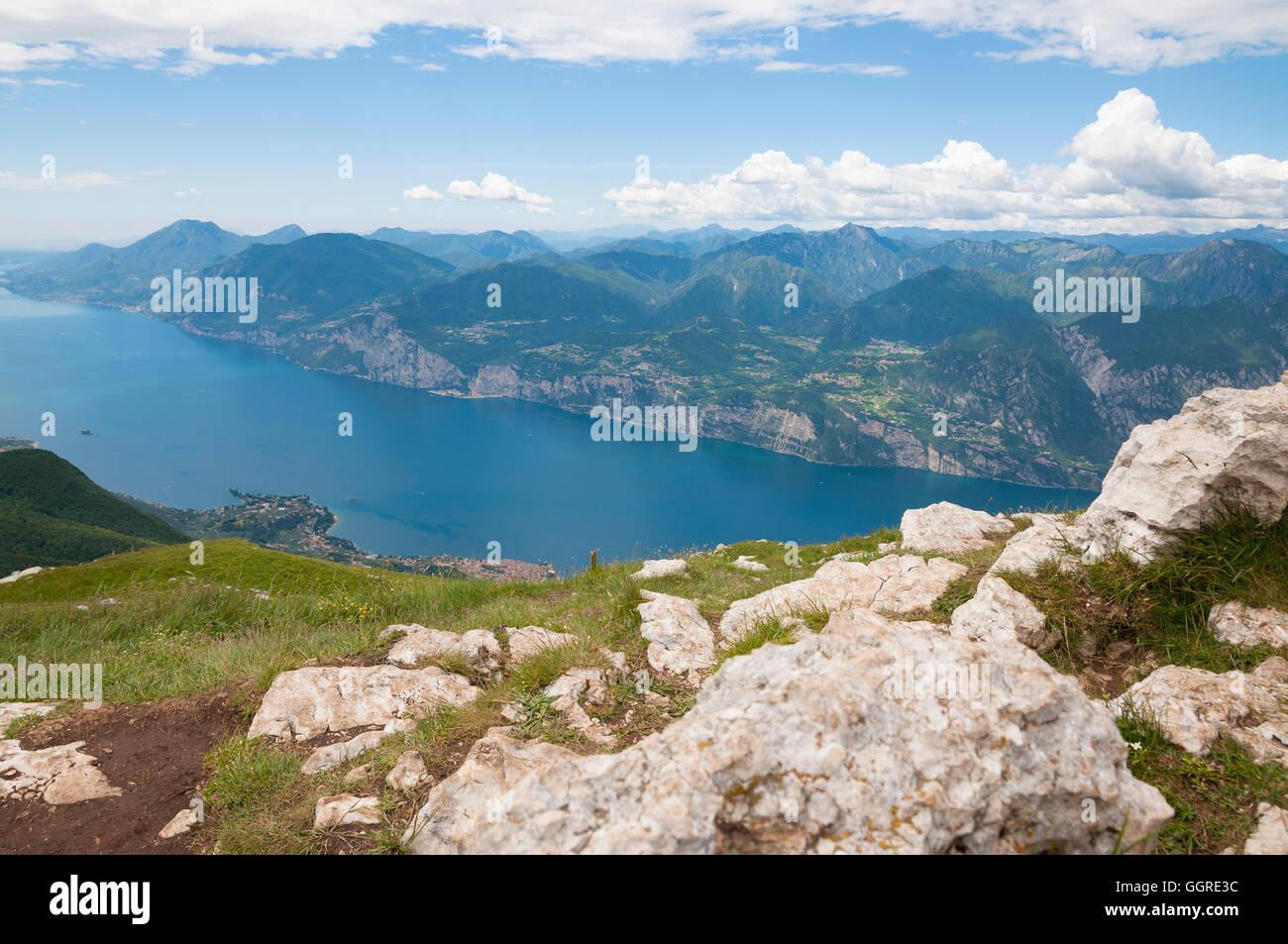 Landscape of Lago De Garda (Garda lake), North Italy - Stock Image