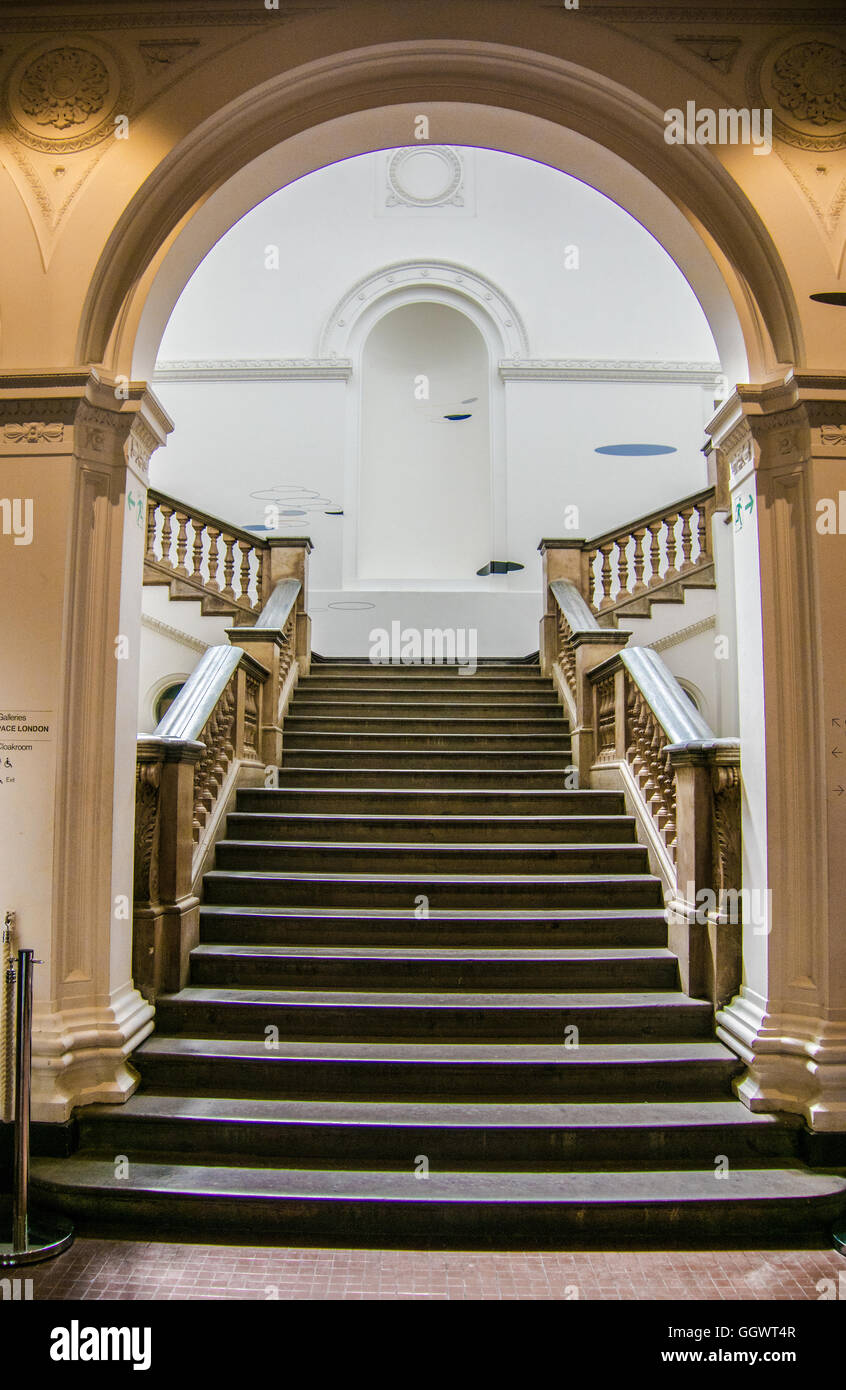 The Royal Academy on Picadilly, Mayfair, is a privately funded art institution  founded 1768 to promote the visual - Stock Image