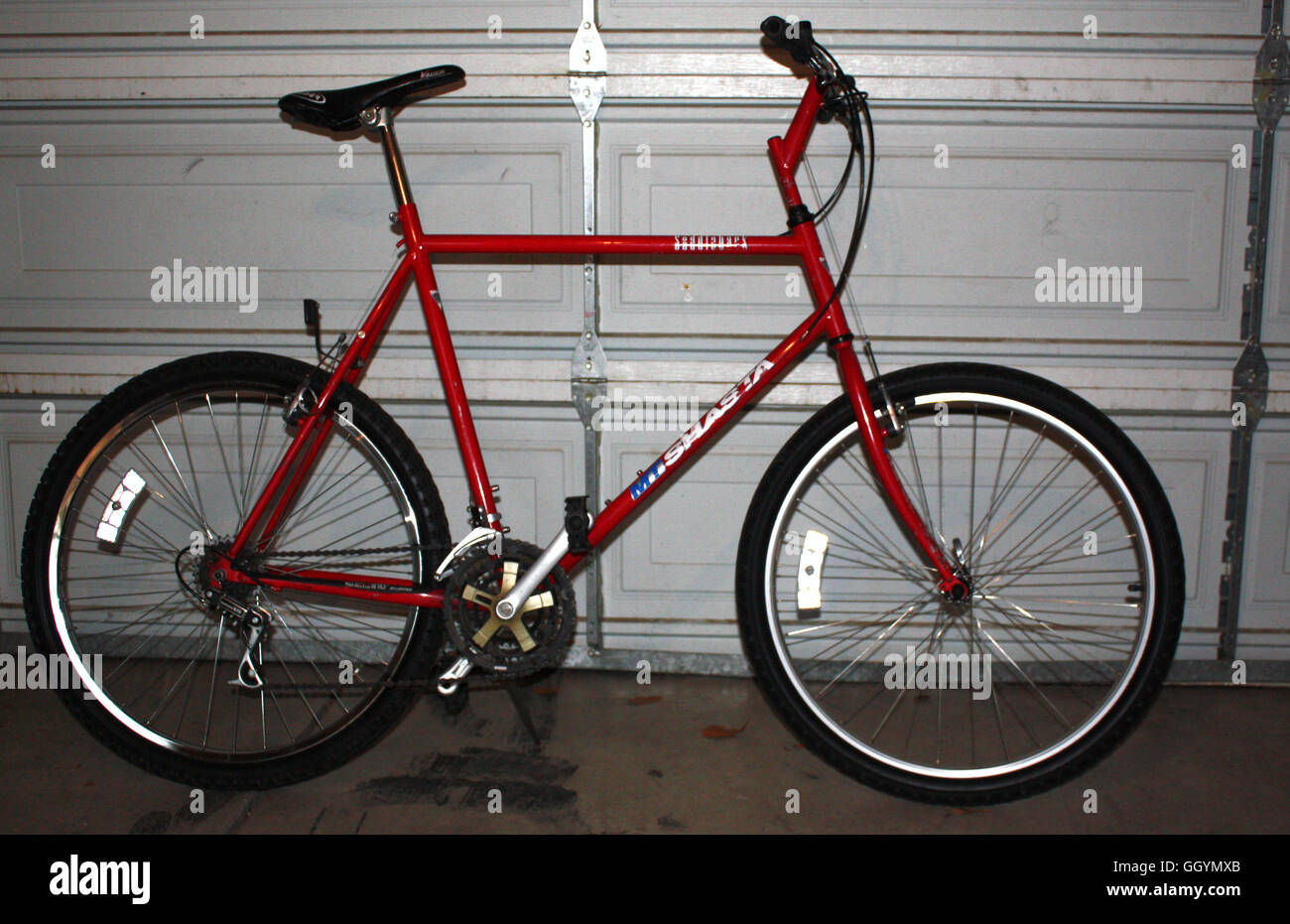 Old-School Classic early 1990\'s rigid frame Mountain Bike from the ...