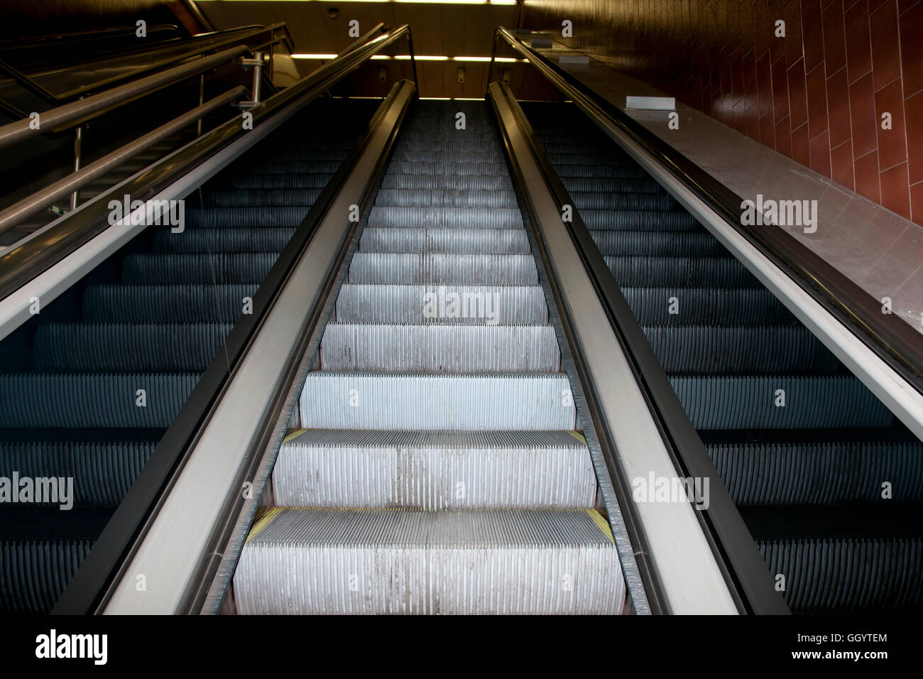 Escalator And Stairs Stock Photos Amp Escalator And Stairs