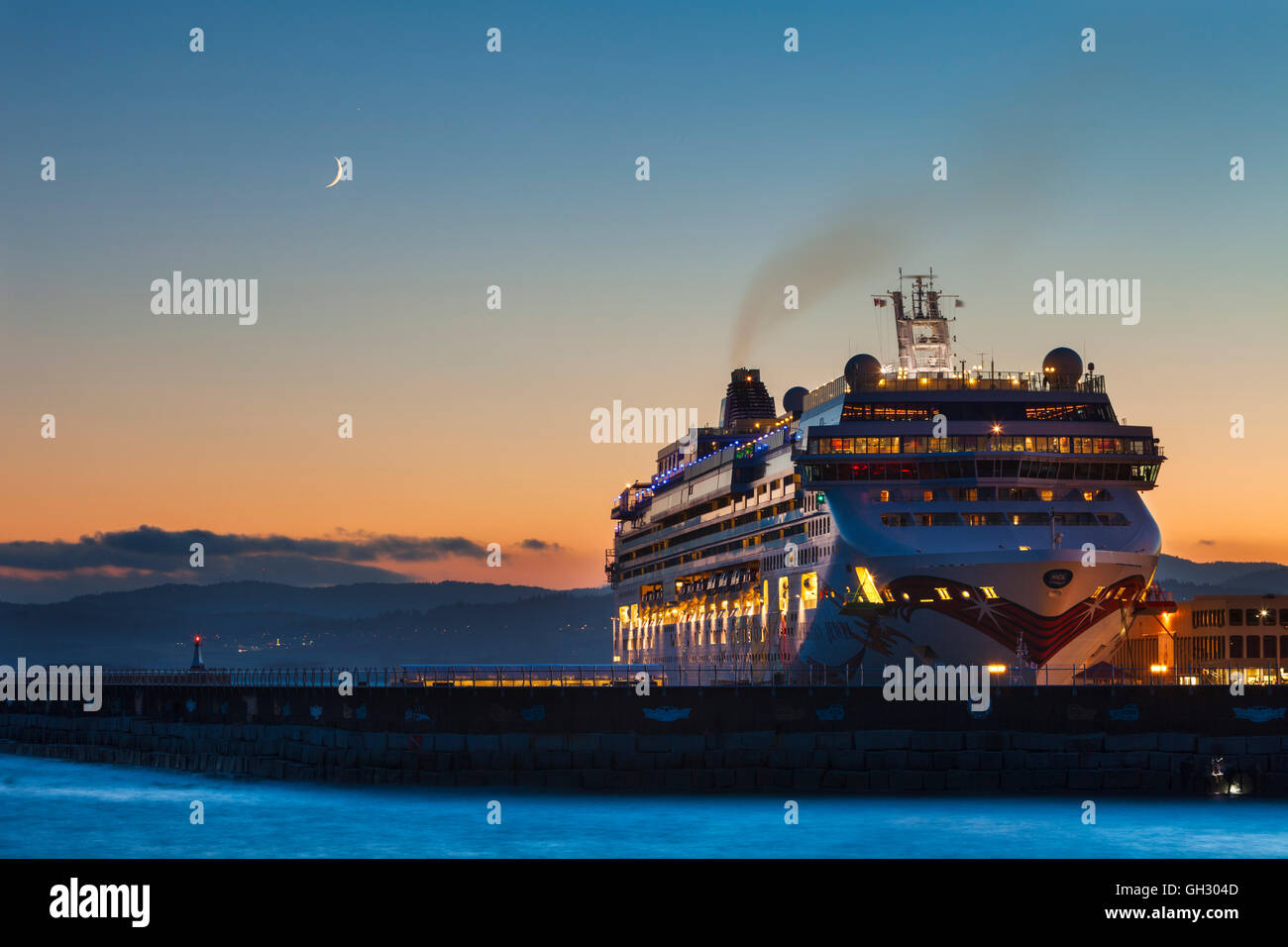 Luxury cruise ship Norwegian Jewel berthed at Ogden Point-Victoria, British Columbia, Canada. - Stock Image