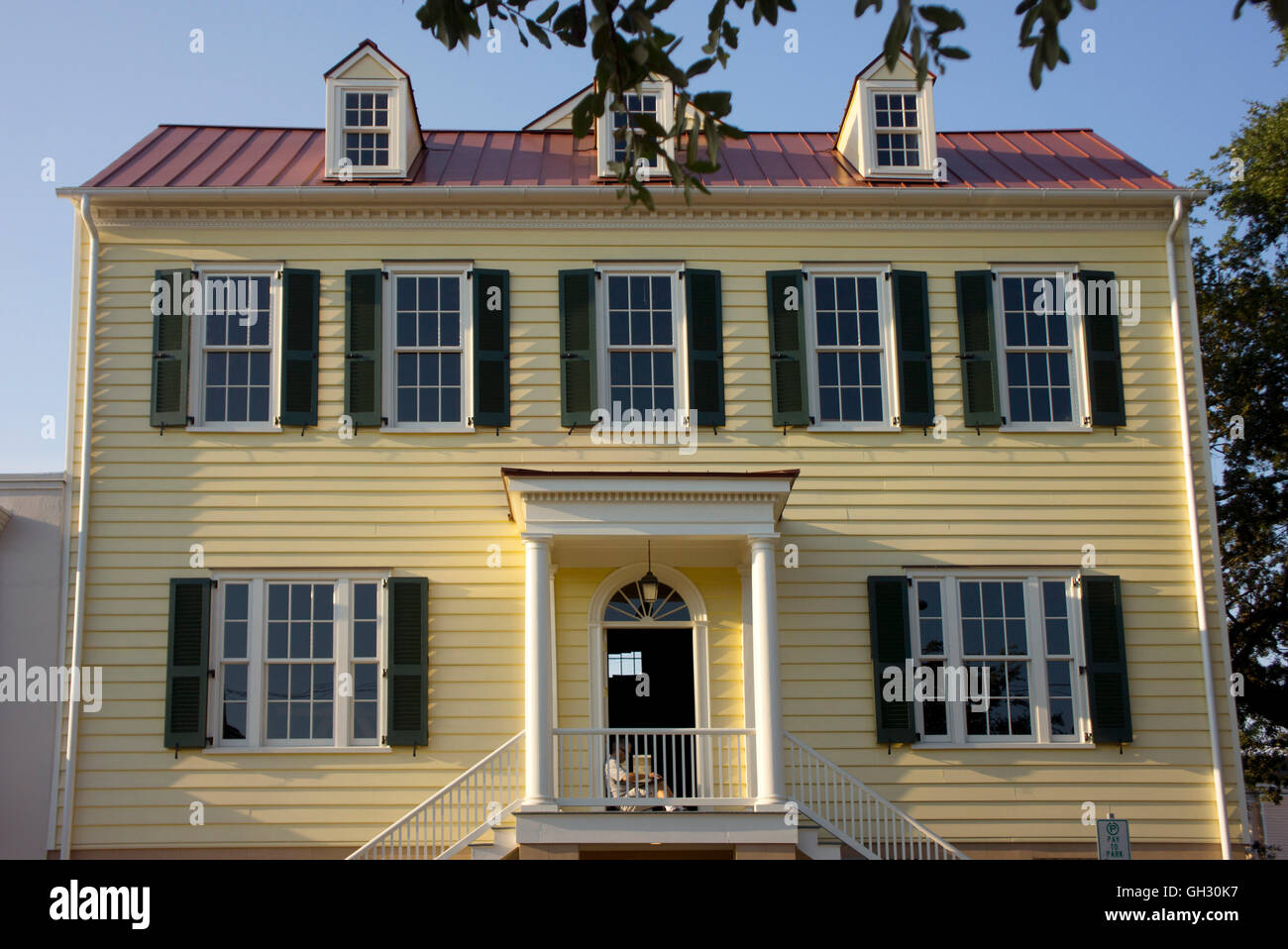 Typical Colonial Style Home In Savannah Georgia Stock Photo